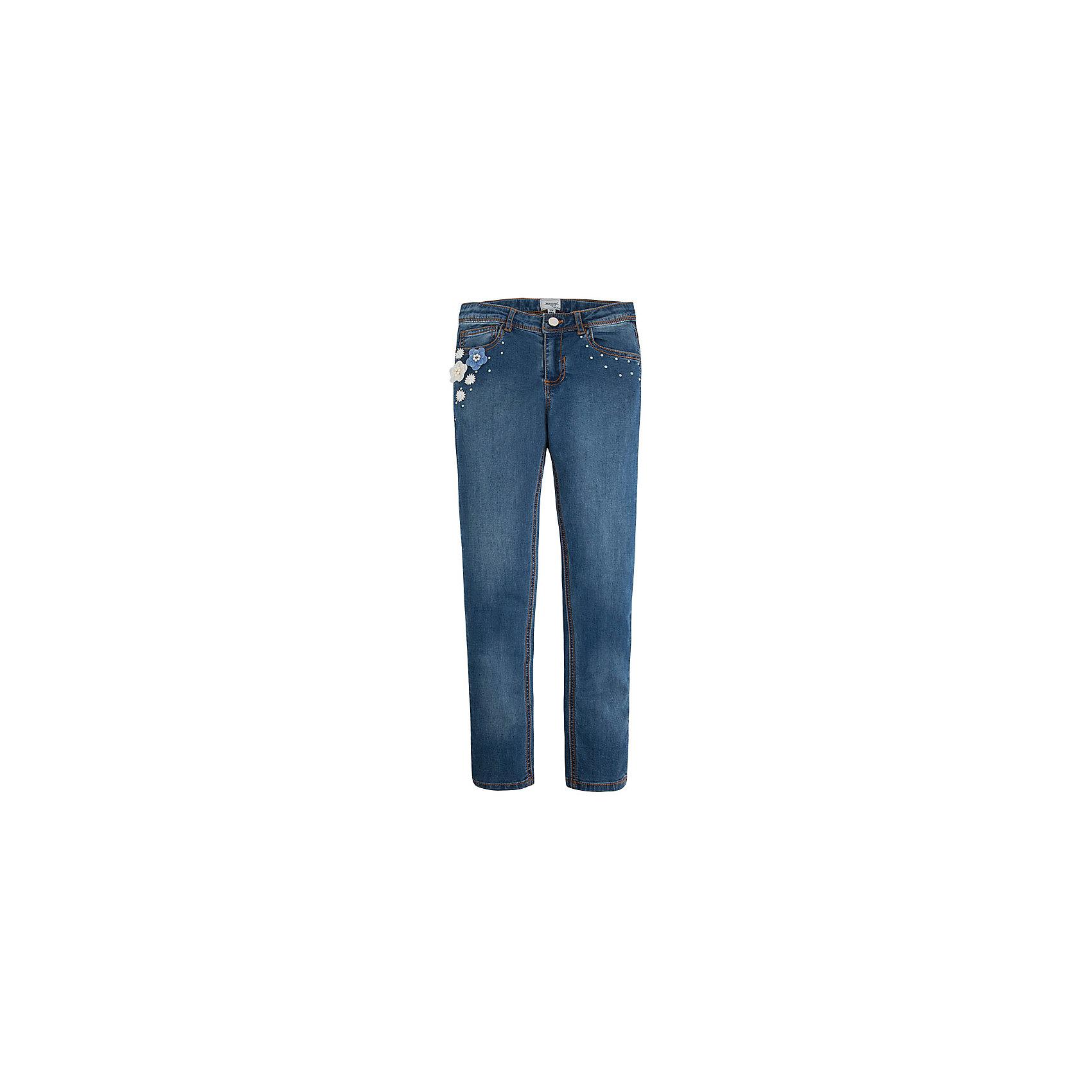 Джинсы для девочки MayoralДжинсовая одежда<br>Джинсы для девочки от известной испанской марки Mayoral прекрасно сочетаются с различными предметами гардероба. Отличный вариант для повседневной носки.<br><br>Дополнительная информация:<br><br>- Прямой крой брючин. <br>- Тип застежки: молния, кнопка.<br>- Количество карманов: 5. <br>- Тип карманов: втачные, накладные. <br>- Регулировка на талии с помощью внутренней резинки.  <br>- Нежная объемная аппликация в виде цветов, пластиковые бусинки. <br>- Состав: 98% хлопок, 2% эластан.<br><br>Джинсы для девочки Mayoral (Майорал) можно купить в нашем магазине.<br><br>Ширина мм: 215<br>Глубина мм: 88<br>Высота мм: 191<br>Вес г: 336<br>Цвет: синий<br>Возраст от месяцев: 84<br>Возраст до месяцев: 96<br>Пол: Женский<br>Возраст: Детский<br>Размер: 140,170,158,152,128,164<br>SKU: 4538630