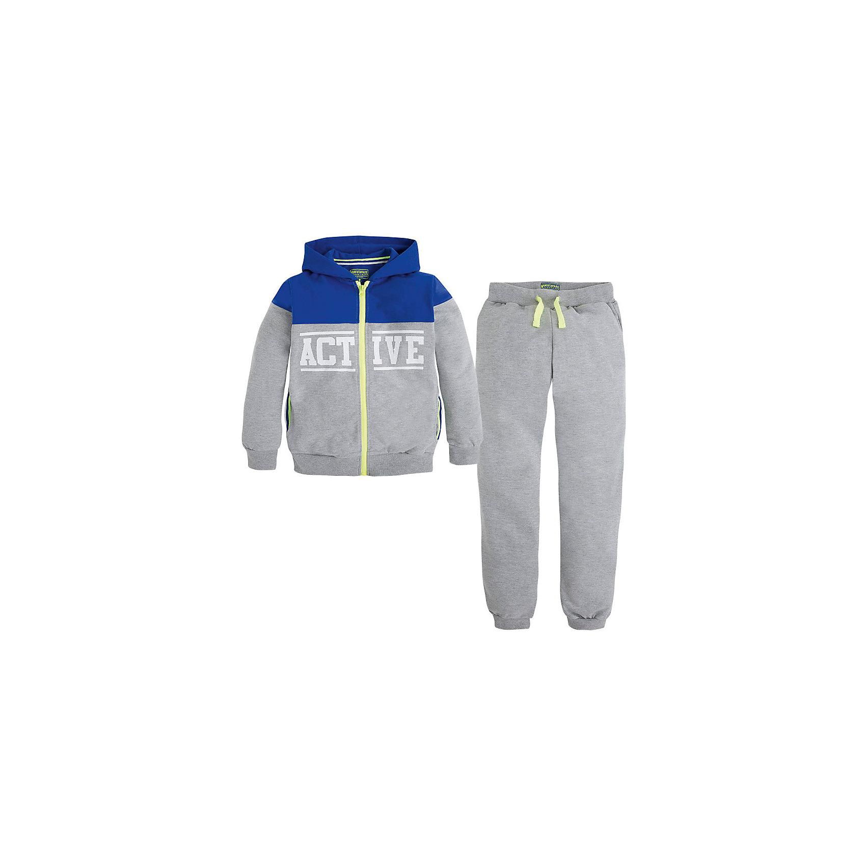 Спортивный костюм  для мальчика MayoralСпортивный костюм  для мальчика от известной испанской марки Mayoral - прекрасный вариант для вашего юного спортсмена. <br><br>Дополнительная информация:<br><br>- Брюки и толстовка.<br>- Мягкая, приятная к телу ткань. <br>- Толстовка комбинированной расцветки.<br>- Манжеты на рукавах и резинка по низу.<br>- Застегивается на молнию.<br>- Надпись на груди и спине.<br>- 2 боковых кармана. <br>- Брюки на эластичном поясе с кулиской. <br>- Манжеты брючин в рубчик. <br>- Состав: 52% хлопок, 48% полиэстер.<br><br>Спортивный костюм  для мальчика Mayoral (Майорал) можно купить в нашем магазине.<br><br>Ширина мм: 247<br>Глубина мм: 16<br>Высота мм: 140<br>Вес г: 225<br>Цвет: серый<br>Возраст от месяцев: 84<br>Возраст до месяцев: 96<br>Пол: Мужской<br>Возраст: Детский<br>Размер: 128,164,158,152,140<br>SKU: 4538867