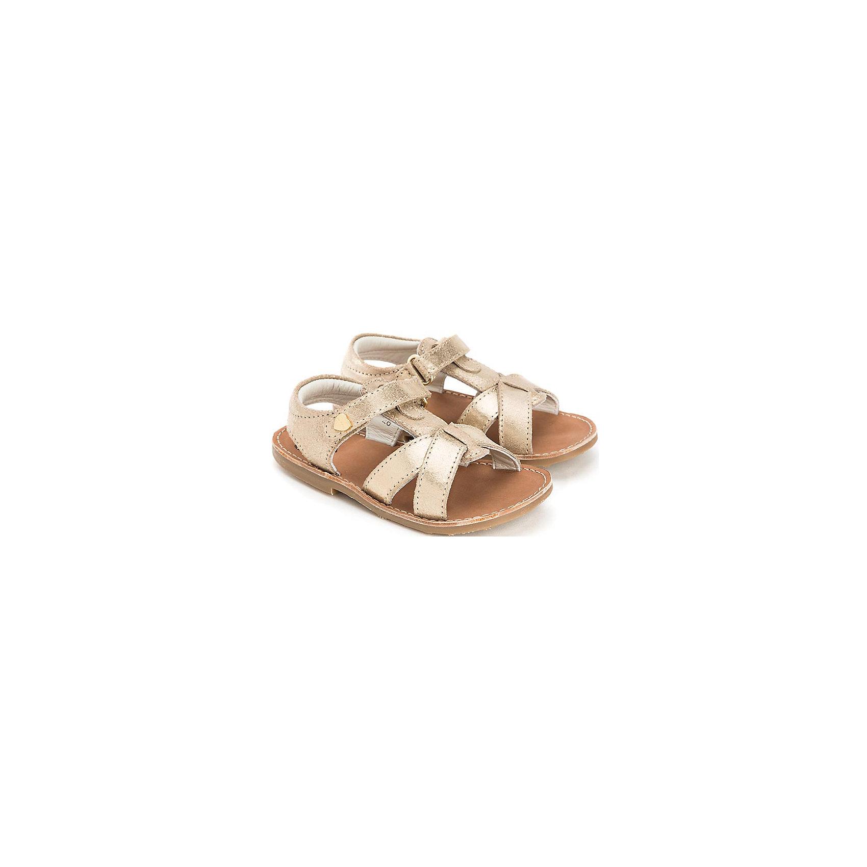 Сандалии для девочки  MayoralСандалии от известной испанской марки Mayoral придутся по вкусу всем юным модницам и займут достойное место в детском гардеробе. <br><br>Дополнительная информация:<br><br>- Маленький каблук.<br>- Застегиваются на липучки. <br>- Отстрочка по периметру подошвы. <br>- Вставки из золотой кожи.<br>- Декорированы маленькими золотыми сердечками. <br>- Состав: материал верха - 100 % натуральная кожа; подкладка, стелька - 100% кожа; подошва - 100% полиуретан.<br><br>Сандалии Mayoral (Майорал) можно купить в нашем магазине.<br><br>Ширина мм: 219<br>Глубина мм: 154<br>Высота мм: 121<br>Вес г: 343<br>Цвет: серый<br>Возраст от месяцев: 24<br>Возраст до месяцев: 36<br>Пол: Женский<br>Возраст: Детский<br>Размер: 33,30,26,29,27,28,31,32,34,35<br>SKU: 4539778