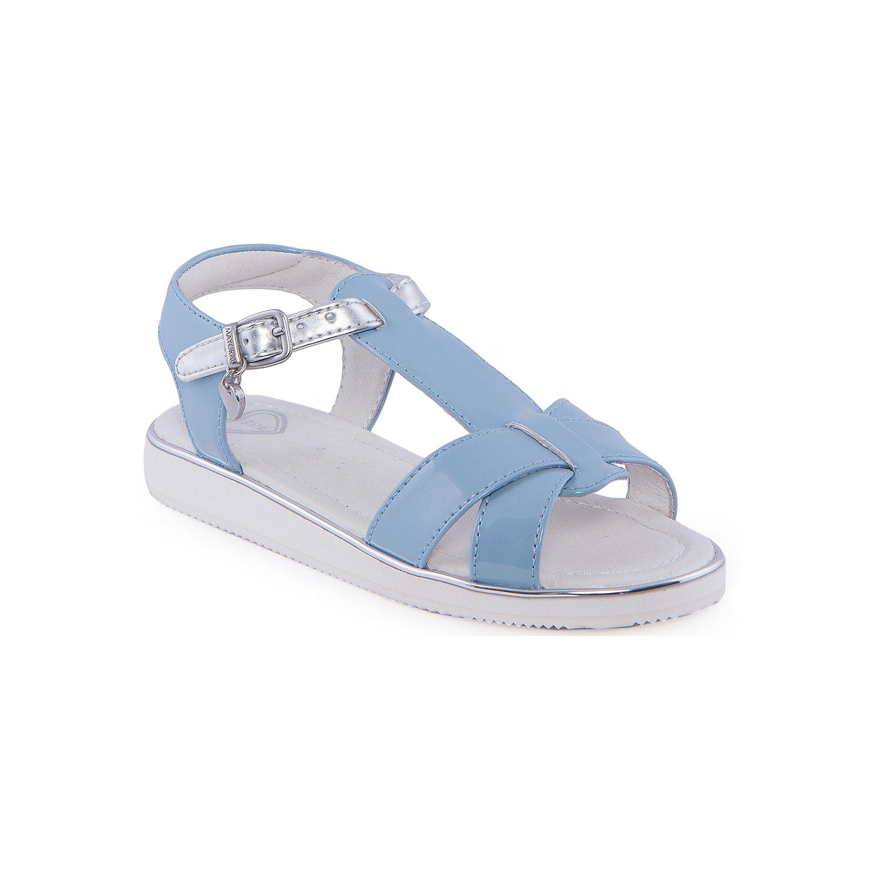 Сандалии для девочки  MayoralСандалии для девочки от известной марки Mayoral<br><br>Яркие удобные сандалии дополнят образ девочки в новом весенне-летнем сезоне. Эта модель разработала специально для девочек, любящих платья и юбки - именно с женственными моделями такие туфли смотрятся особенно хорошо. Сделаны они из легкого, но прочного материала. Комфортно садятся по ноге и не натирают.<br><br>Особенности модели:<br><br>- цвет: голубой;<br>- плоская нескользящая подошва;<br>- материал - лакированная искусственная кожа;<br>- застежка-ремешок;<br>- подошва толстая;<br>- сбоку - металлический логотип в виде сердца.<br><br>Дополнительная информация:<br><br>Состав: верх - искусственная кожа;<br>стелька - натуральная кожа;<br>подошва - полиуретан.<br><br>Сандалии для девочки от Mayoral (Майорал) можно купить в нашем магазине.<br><br>Ширина мм: 219<br>Глубина мм: 154<br>Высота мм: 121<br>Вес г: 343<br>Цвет: голубой<br>Возраст от месяцев: 72<br>Возраст до месяцев: 84<br>Пол: Женский<br>Возраст: Детский<br>Размер: 30,26,32,31,29,28,27<br>SKU: 4539898