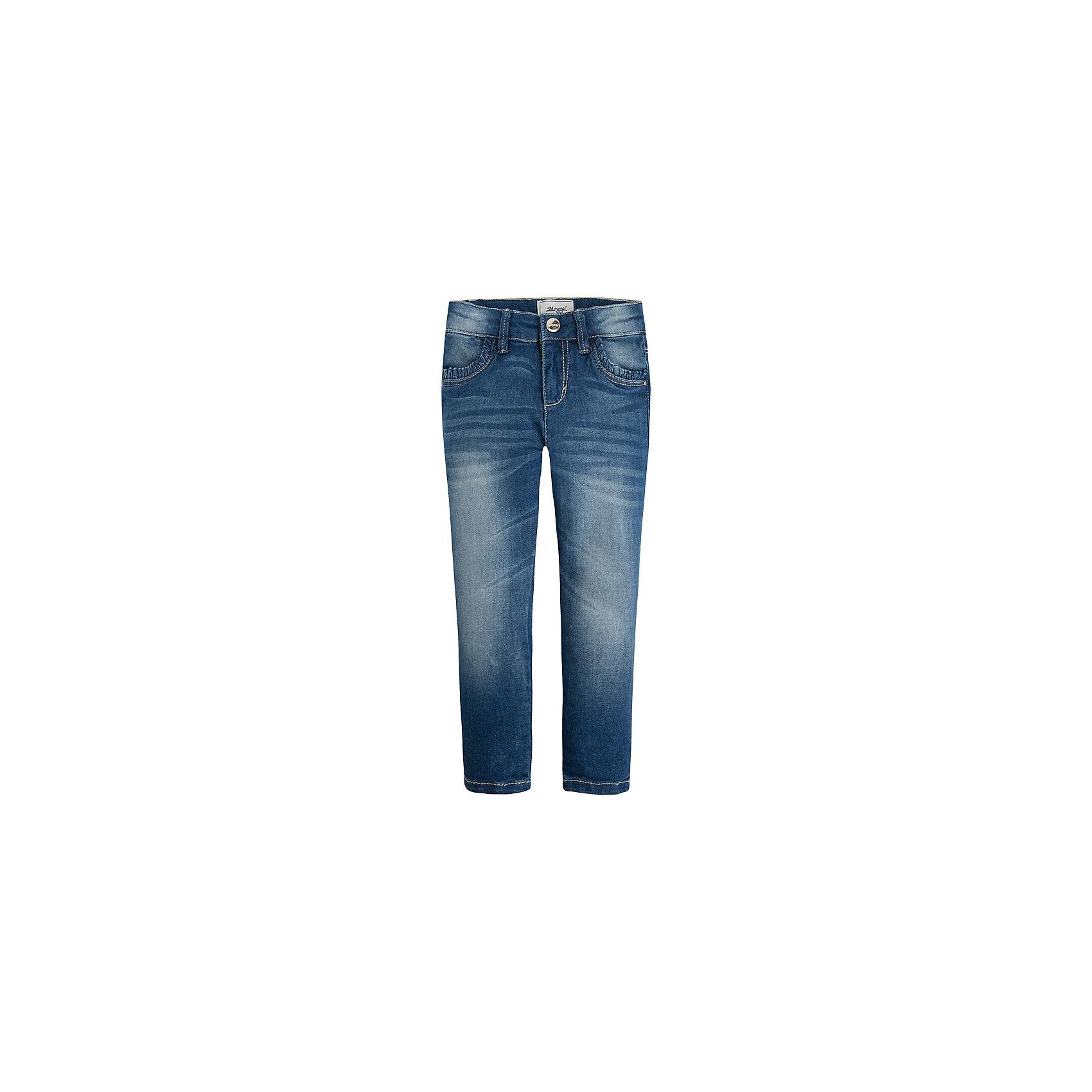 Джинсы для девочки MayoralДжинсы для девочки от известной испанской марки Mayoral <br><br>Джинсы классического кроя от Mayoral - прекрасный вариант для юных модниц! Они прекрасно сочетаются с разными вещами. Пояс регулируется с помощью резинки. Модель выполнена из качественных материалов, отлично сидят по фигуре.<br><br>Особенности модели:<br><br>- цвет: синий;<br>- крой брючин: прямой;<br>- наличие карманов;<br>- классический силуэт;<br>- шлевки для ремня;<br>- внутренние резинки для регулировки пояса.<br><br>Дополнительная информация:<br><br>Состав:<br>98% хлопок, 2% эластан.<br><br>Брюки для девочки Mayoral (Майорал) можно купить в нашем магазине.<br><br>Ширина мм: 215<br>Глубина мм: 88<br>Высота мм: 191<br>Вес г: 336<br>Цвет: синий<br>Возраст от месяцев: 48<br>Возраст до месяцев: 60<br>Пол: Женский<br>Возраст: Детский<br>Размер: 110,98,122,128,104,134,116<br>SKU: 4541090
