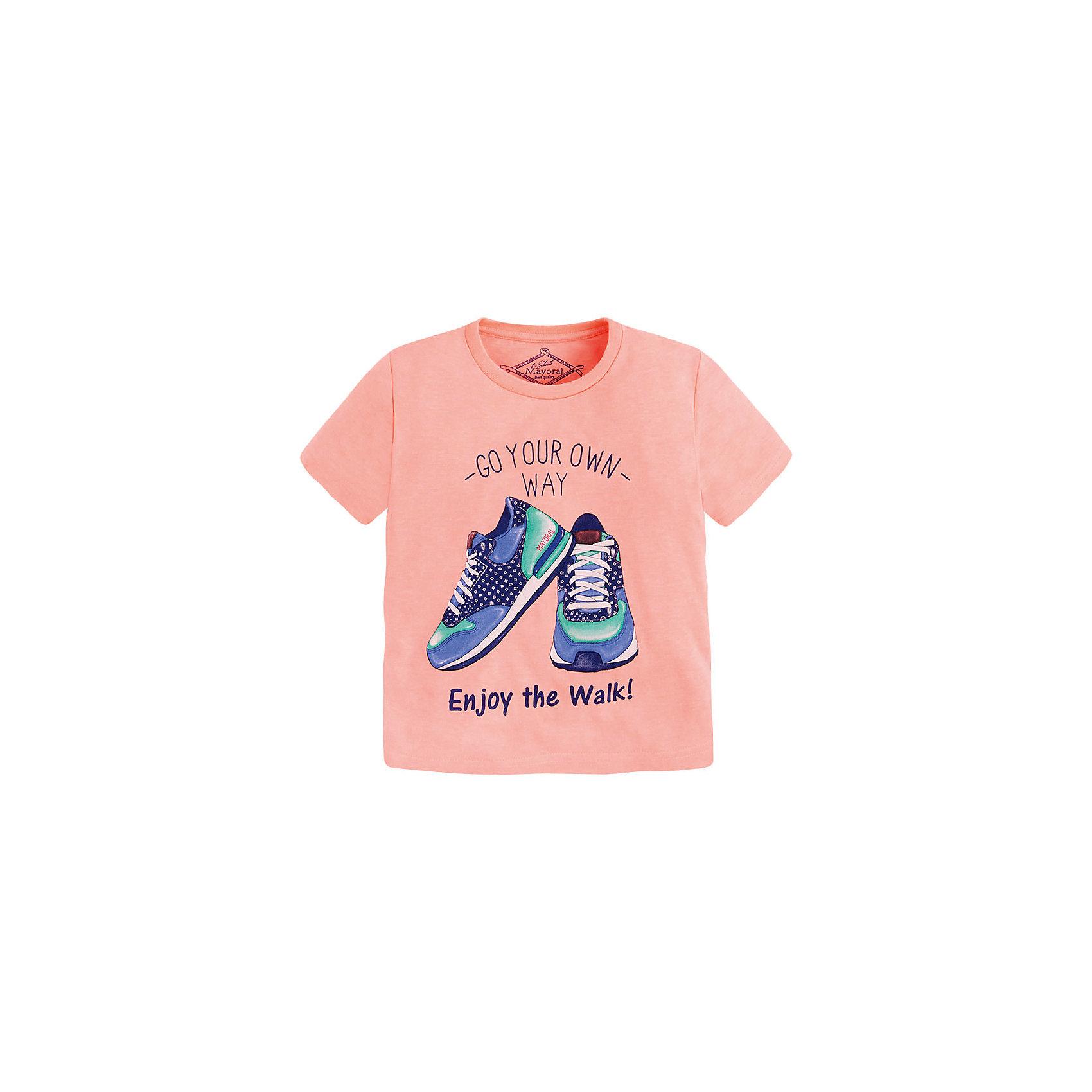 Футболка для мальчика MayoralФутболка для мальчика от известной испанской марки Mayoral <br><br>Стильная футболка от Mayoral - отличный вариант одежды на каждый день! Она прекрасно сочетается с джинсами и шортами.  Модель выполнена из качественных материалов, отлично сидит по фигуре.<br><br>Особенности модели:<br><br>- цвет: розовый;<br>- рукава короткие;<br>- украшена принтом;<br>- окантовка ворота.<br><br>Дополнительная информация:<br><br>Состав: 65% полиэстер, 35% хлопок<br><br>Футболку для мальчика Mayoral (Майорал) можно купить в нашем магазине.<br><br>Ширина мм: 199<br>Глубина мм: 10<br>Высота мм: 161<br>Вес г: 151<br>Цвет: оранжевый<br>Возраст от месяцев: 72<br>Возраст до месяцев: 84<br>Пол: Мужской<br>Возраст: Детский<br>Размер: 122,134,128,110,98,104,116<br>SKU: 4541331