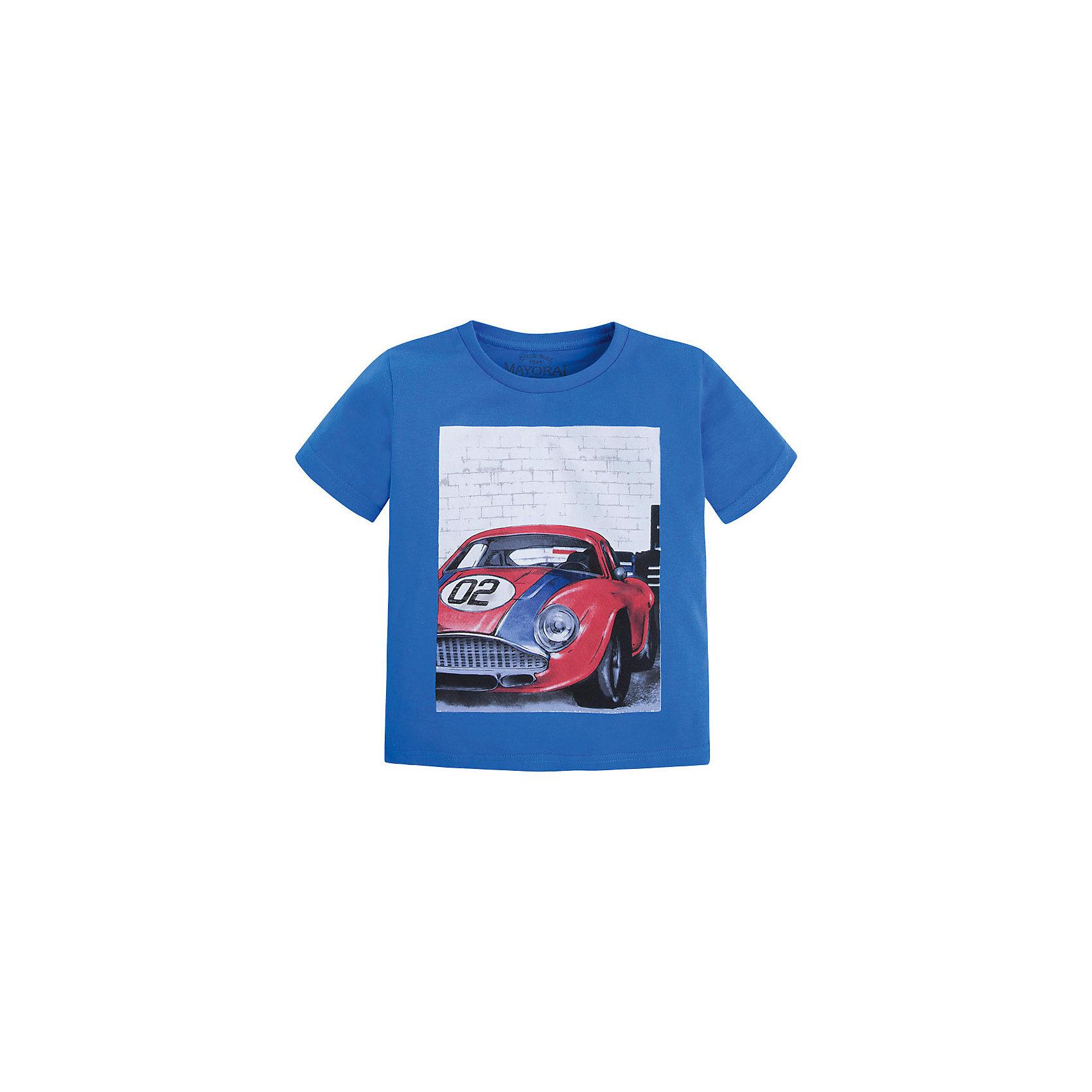 Футболка для мальчика MayoralФутболка для мальчика от известной испанской марки Mayoral <br><br>Стильная футболка от Mayoral - отличный вариант одежды на каждый день! Она прекрасно сочетается с джинсами и шортами.  Модель выполнена из качественных материалов, отлично сидит по фигуре.<br><br>Особенности модели:<br><br>- цвет: синий;<br>- рукава короткие;<br>- украшена принтом;<br>- натуральный материал.<br><br>Дополнительная информация:<br><br>Состав: 100% хлопок<br><br>Футболку для мальчика Mayoral (Майорал) можно купить в нашем магазине.<br><br>Ширина мм: 199<br>Глубина мм: 10<br>Высота мм: 161<br>Вес г: 151<br>Цвет: синий<br>Возраст от месяцев: 84<br>Возраст до месяцев: 96<br>Пол: Мужской<br>Возраст: Детский<br>Размер: 128,116,110,98,104,122,134<br>SKU: 4541381