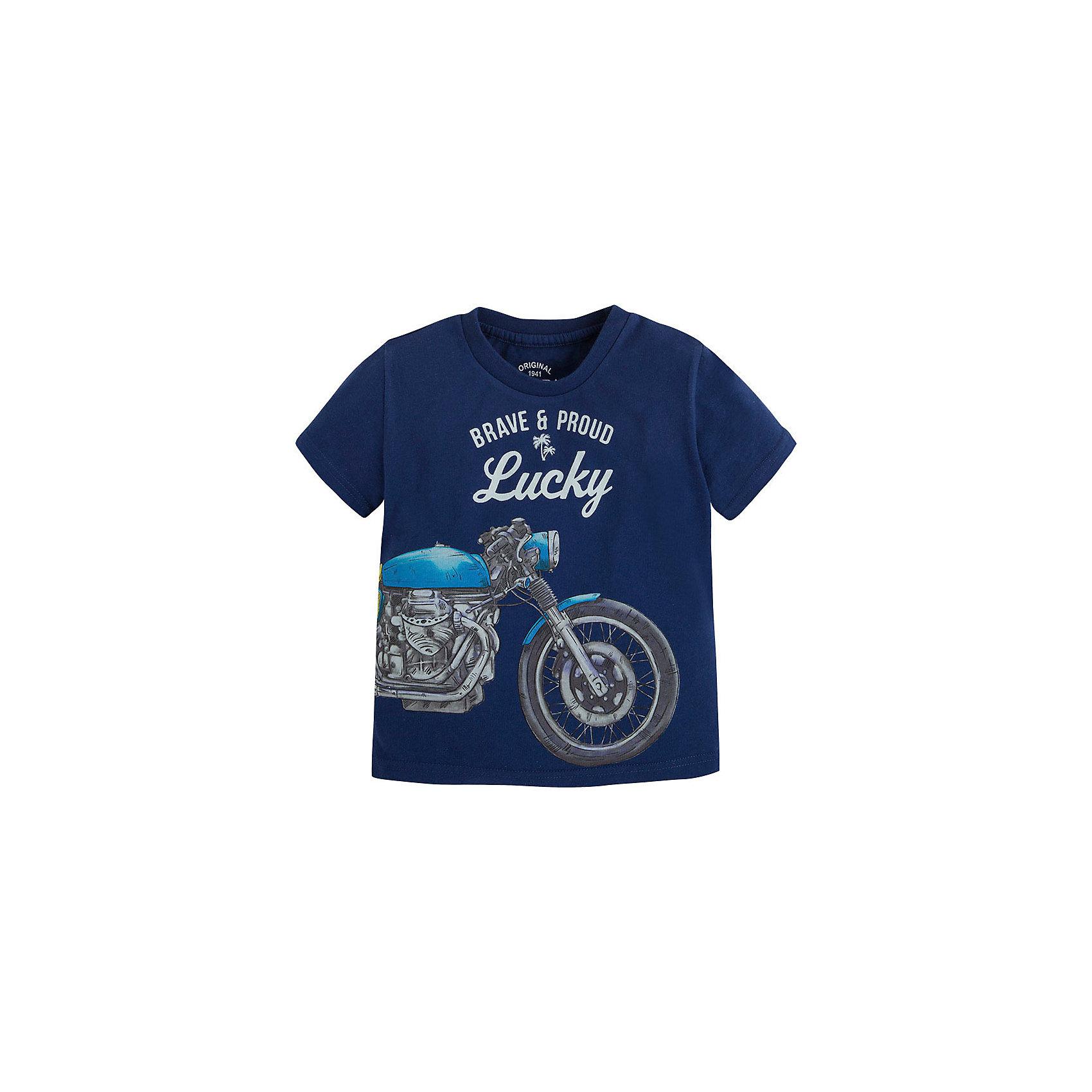 Футболка для мальчика MayoralФутболка для мальчика от известной испанской марки Mayoral <br><br>Хлопковая футболка от Mayoral - отличный вариант одежды на каждый день! Она прекрасно сочетается с джинсами и шортами.  Модель выполнена из качественных материалов, отлично сидит по фигуре.<br><br>Особенности модели:<br><br>- цвет: синий;<br>- рукава короткие;<br>- украшена принтом;<br>- натуральный материал.<br><br>Дополнительная информация:<br><br>Состав: 100% хлопок<br><br>Футболку для мальчика Mayoral (Майорал) можно купить в нашем магазине.<br><br>Ширина мм: 199<br>Глубина мм: 10<br>Высота мм: 161<br>Вес г: 151<br>Цвет: серый<br>Возраст от месяцев: 72<br>Возраст до месяцев: 84<br>Пол: Мужской<br>Возраст: Детский<br>Размер: 122,98,110,134,128,116,104<br>SKU: 4541421