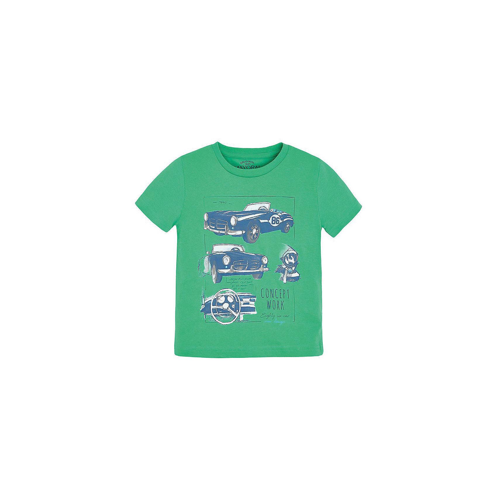 Футболка для мальчика MayoralФутболка для мальчика от известной испанской марки Mayoral <br><br>Модная хлопковая футболка от Mayoral - отличный вариант одежды на каждый день! Она прекрасно сочетается с джинсами и шортами. Модель выполнена из качественных материалов, отлично сидит по фигуре.<br><br>Особенности модели:<br><br>- цвет: зеленый;<br>- рукава короткие;<br>- украшена принтом;<br>- натуральный материал.<br><br>Дополнительная информация:<br><br>Состав: 100% хлопок<br><br>Футболку для мальчика Mayoral (Майорал) можно купить в нашем магазине.<br><br>Ширина мм: 199<br>Глубина мм: 10<br>Высота мм: 161<br>Вес г: 151<br>Цвет: зеленый<br>Возраст от месяцев: 84<br>Возраст до месяцев: 96<br>Пол: Мужской<br>Возраст: Детский<br>Размер: 122,98,110,134,116,104,128<br>SKU: 4541453
