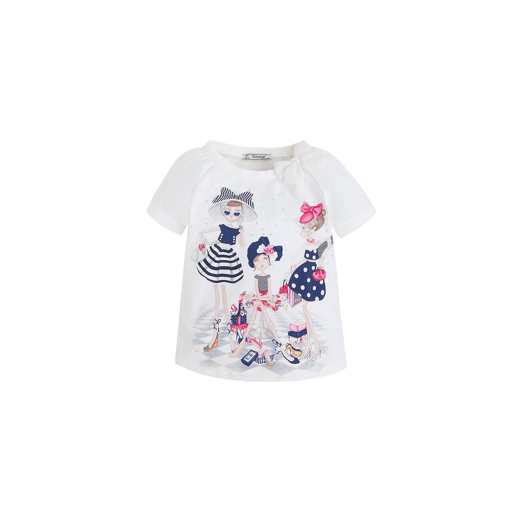 Футболка для девочки MayoralФутболка для девочки от известной испанской марки Mayoral <br><br>Очень красивая  футболка от Mayoral - отличный вариант летней одежды для девочек! Выглядит нарядно и оригинально. Модель выполнена из качественных материалов, отлично сидит по фигуре.<br><br>Особенности модели:<br><br>- цвет: белый;<br>- рукава короткие, реглан, со сборками;<br>- украшена принтом и стразами;<br>- эластичный материал.<br><br>Дополнительная информация:<br><br>Состав: 92% хлопок, 8% эластан<br><br>Футболку для девочки Mayoral (Майорал) можно купить в нашем магазине.<br><br>Ширина мм: 199<br>Глубина мм: 10<br>Высота мм: 161<br>Вес г: 151<br>Цвет: синий<br>Возраст от месяцев: 36<br>Возраст до месяцев: 48<br>Пол: Женский<br>Возраст: Детский<br>Размер: 104,110,92,98,116,134,128,122<br>SKU: 4541501