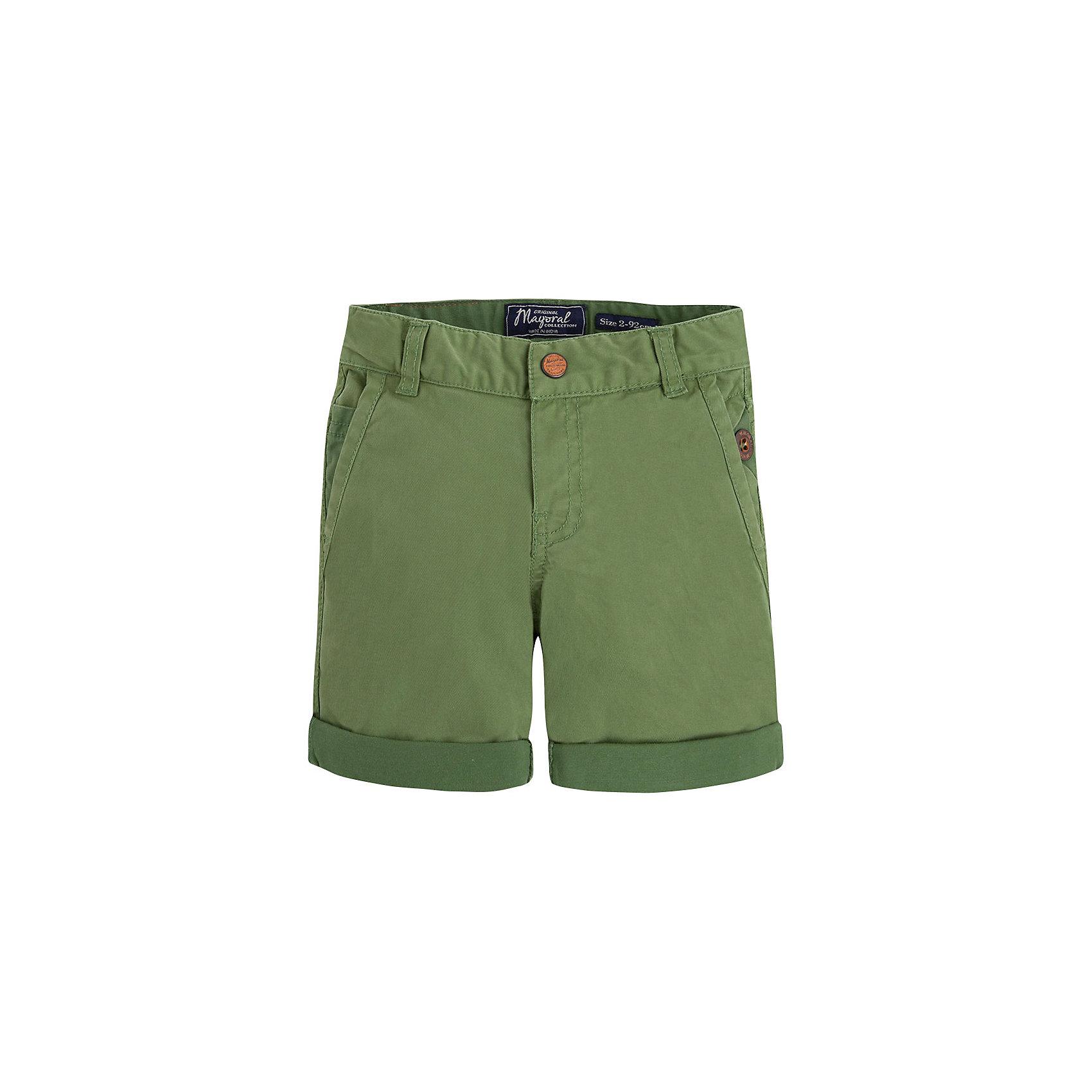 Шорты для мальчика MayoralШорты  для мальчика от известной испанской марки Mayoral - прекрасный вариант для летнего гардероба юного модника. <br><br>Дополнительная информация:<br><br>- Цвет: зеленый.<br>- Прямой крой брючин.<br>- Тип застежки: молния, кнопка. <br>- 4 кармана (2 задних, 2 боковых).<br>- Стильные отвороты.<br>- Регулировка на талии с помощью внутренней резинки.  <br>- Состав: 98% хлопок, 2% эластан.<br><br>Шорты  для мальчика Mayoral (Майорал) можно купить в нашем магазине.<br><br>Ширина мм: 191<br>Глубина мм: 10<br>Высота мм: 175<br>Вес г: 273<br>Цвет: зеленый<br>Возраст от месяцев: 72<br>Возраст до месяцев: 84<br>Пол: Мужской<br>Возраст: Детский<br>Размер: 122,98,116,128,134,104,110<br>SKU: 4541888