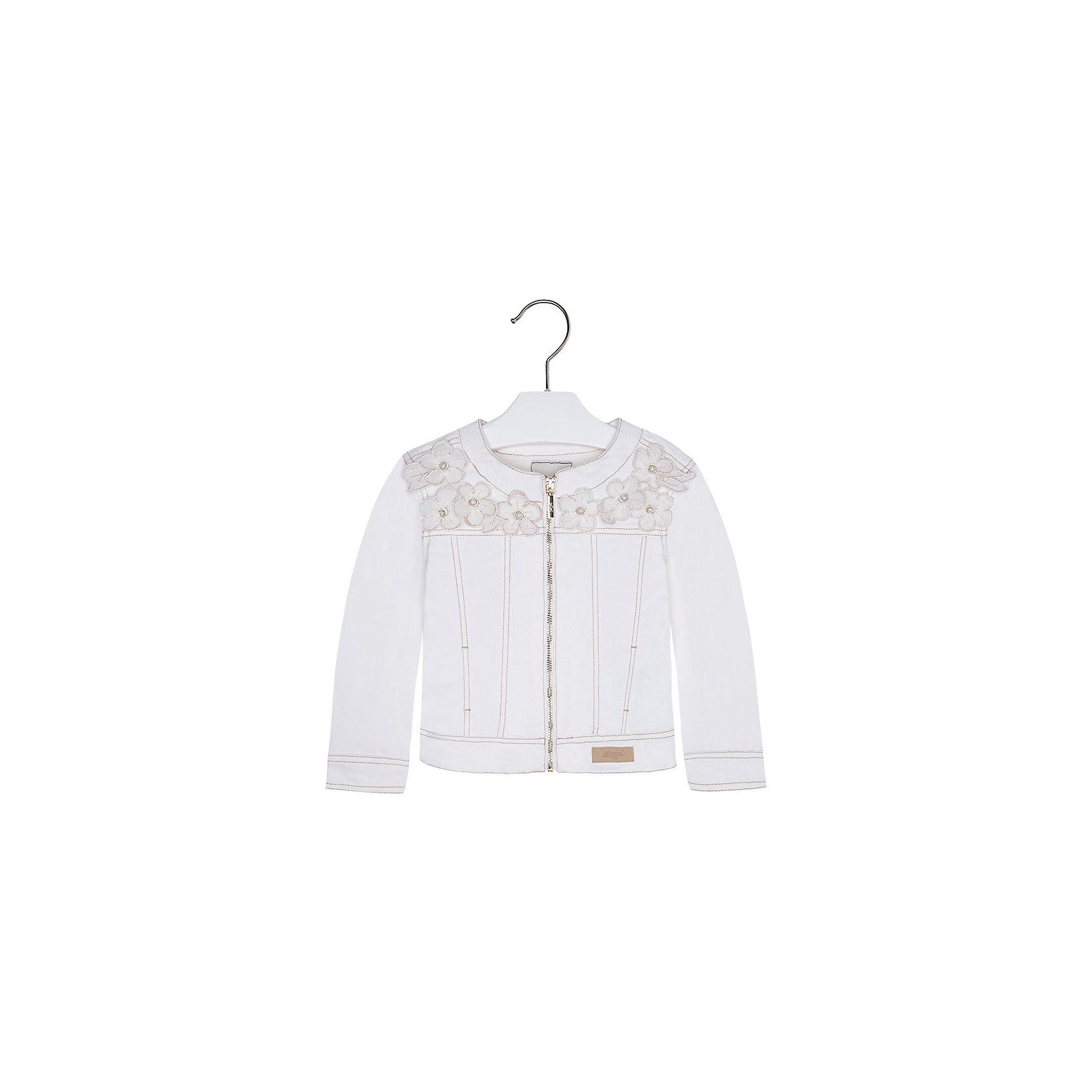 Куртка для девочки MayoralКуртка для девочки от известной испанской марки Mayoral подчеркнет индивидуальность юной модницы. <br><br>Дополнительная информация:<br><br>- Мягкая ткань.<br>- Стильный дизайн.<br>- Застегивается на молнию.<br>- Манжеты рукавов на пуговицах.<br>- Аппликация в виде цветов.<br>- Декоративная отстрочка. <br>- Состав: 98% хлопок, 2% эластан. <br><br>Куртку для девочки Mayoral (Майорал) можно купить в нашем магазине.<br><br>Ширина мм: 356<br>Глубина мм: 10<br>Высота мм: 245<br>Вес г: 519<br>Цвет: белый<br>Возраст от месяцев: 96<br>Возраст до месяцев: 108<br>Пол: Женский<br>Возраст: Детский<br>Размер: 134,128,116,104,92,98,110,122<br>SKU: 4542134
