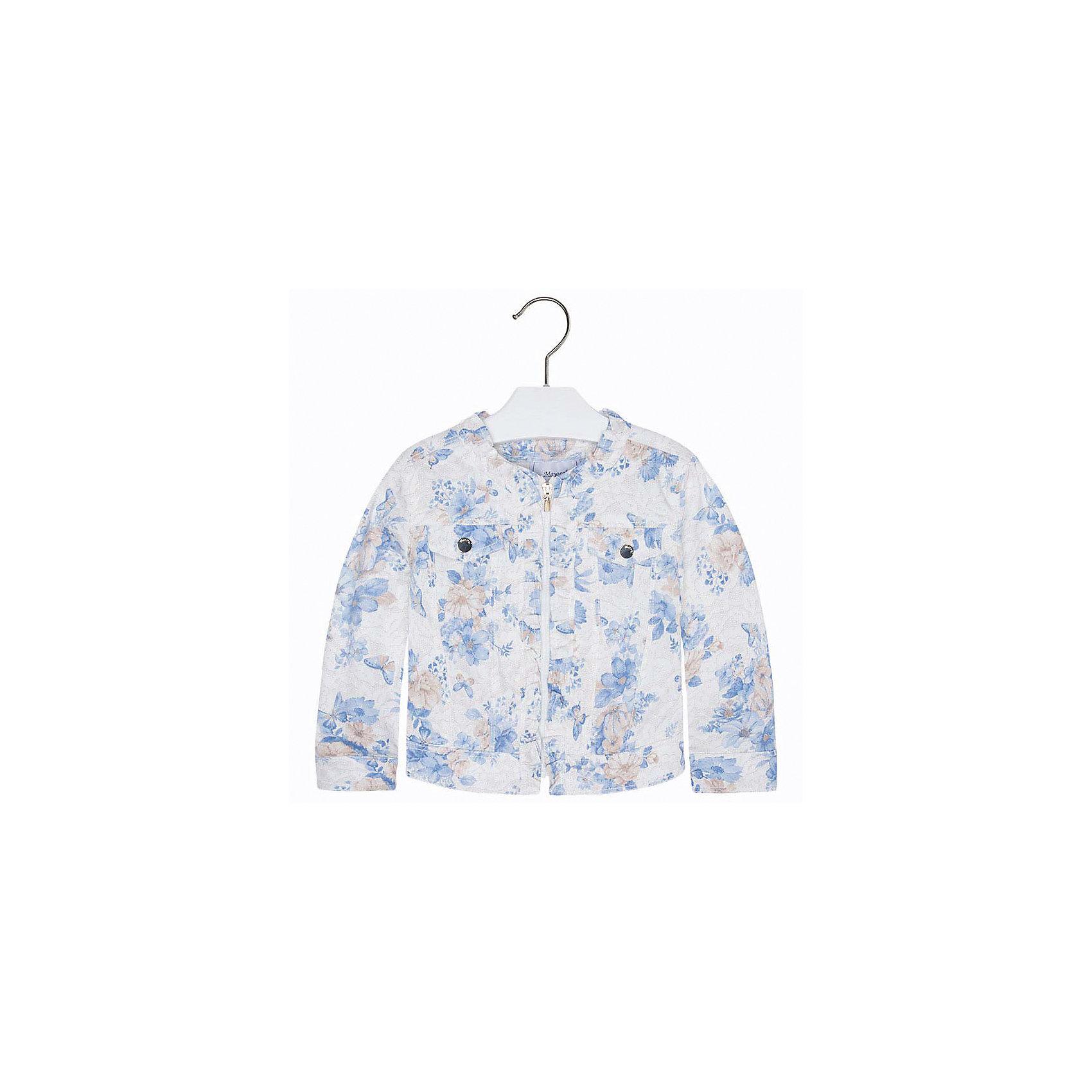 Куртка для девочки MayoralВетровки и жакеты<br>Куртка для девочки от известной испанской марки Mayoral <br><br>Красивая легкая куртка от Mayoral очень оригинально и стильно смотрится. Она прекрасно сочетается с различным низом.  Модель выполнена из качественных материалов, отлично садится по фигуре.<br><br>Особенности модели:<br><br>- цвет: голубой;<br>- рукава длинные;<br>- молния;<br>- круглый горловой вырез;<br>- отделка ворота воланом.<br><br>Дополнительная информация:<br><br>Состав: 69% хлопок, 28% полиэстер, 3% эластан<br><br>Куртку для девочки Mayoral (Майорал) можно купить в нашем магазине.<br><br>Ширина мм: 356<br>Глубина мм: 10<br>Высота мм: 245<br>Вес г: 519<br>Цвет: голубой<br>Возраст от месяцев: 36<br>Возраст до месяцев: 48<br>Пол: Женский<br>Возраст: Детский<br>Размер: 134,128,110,98,116,104,122<br>SKU: 4542152