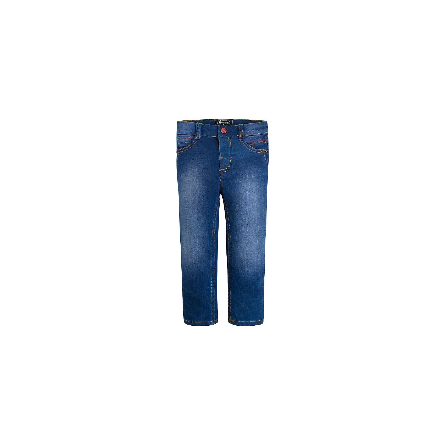 Джинсы для мальчика MayoralДжинсы для мальчика от известной испанской марки Mayoral <br><br>Стильный джинсы классического кроя от Mayoral. Они прекрасно сочетаются с разными вещами. Пояс регулируется с помощью резинки. Модель выполнена из качественных материалов, отлично сидит по фигуре.<br><br>Особенности модели:<br><br>- цвет: синий;<br>- крой брючин: прямой;<br>- наличие карманов;<br>- шлевки для ремня;<br>- потертости;<br>- внутренние резинки для регулировки пояса.<br><br>Дополнительная информация:<br><br>Состав: 83% хлопок, 15% полиэстер, 2% эластан<br><br>Брюки для мальчика Mayoral (Майорал) можно купить в нашем магазине.<br><br>Ширина мм: 215<br>Глубина мм: 88<br>Высота мм: 191<br>Вес г: 336<br>Цвет: голубой<br>Возраст от месяцев: 24<br>Возраст до месяцев: 36<br>Пол: Мужской<br>Возраст: Детский<br>Размер: 98,134,128,116,110,104,122<br>SKU: 4542563