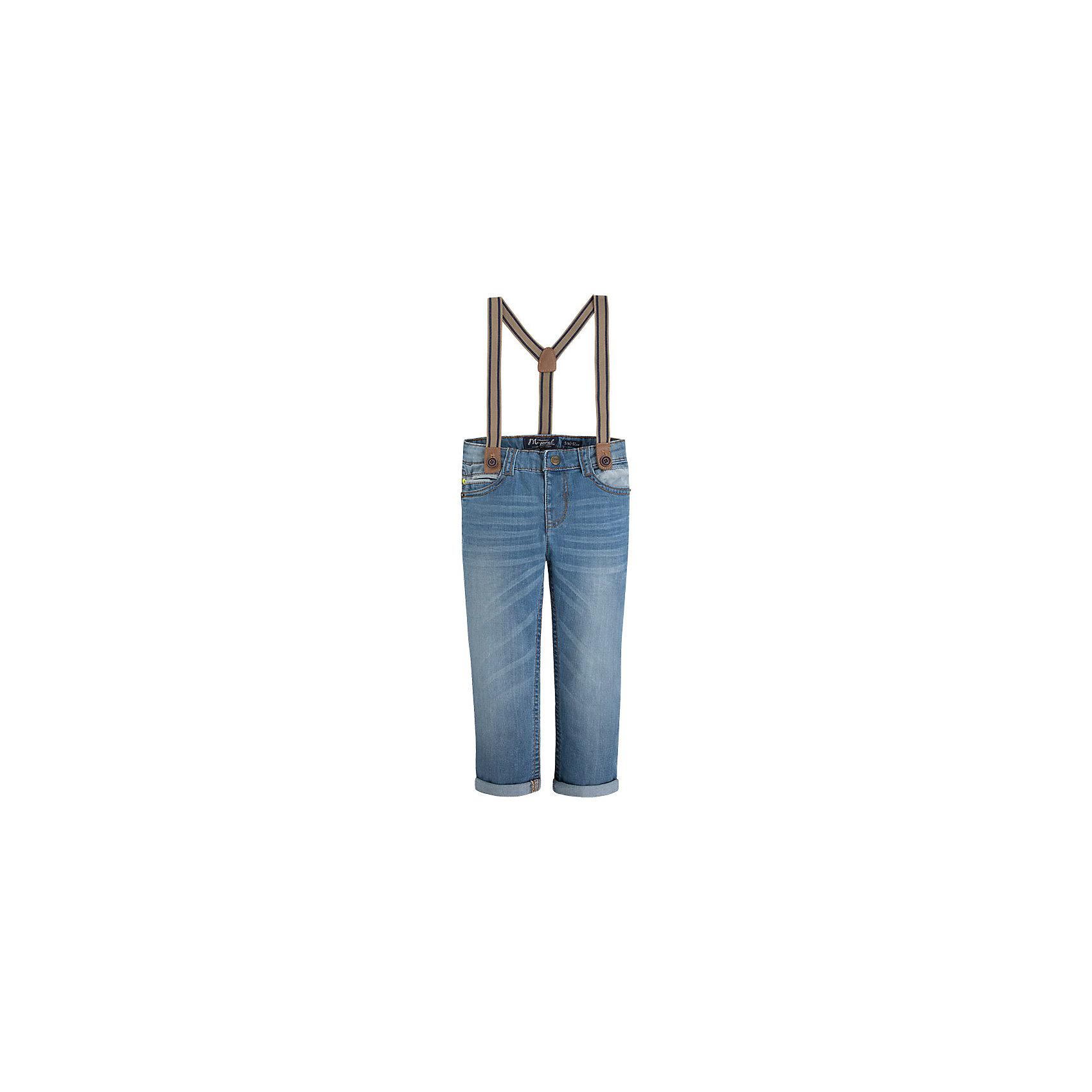 Джинсы для мальчика MayoralДжинсовая одежда<br>Джинсы для мальчика от известной испанской марки Mayoral - стильный и удобный вариант, который придется по вкусу всем юным модникам. <br><br>Дополнительная информация:<br><br>- Стильные подтяжки в комплекте.<br>- Прямой крой брючин.<br>- С отворотами. <br>- Тип застежки: молния, кнопка.<br>- Количество карманов: 5. <br>- Карманы декорированы вставками из голубого материала. <br>- Регулировка на талии с помощью внутренней резинки.  <br>- Подтяжки отстегиваются. <br>- Состав: 98% хлопок, 2% эластан.<br><br>Джинсы для мальчика Mayoral (Майорал) можно купить в нашем магазине.<br><br>Ширина мм: 215<br>Глубина мм: 88<br>Высота мм: 191<br>Вес г: 336<br>Цвет: голубой<br>Возраст от месяцев: 60<br>Возраст до месяцев: 72<br>Пол: Мужской<br>Возраст: Детский<br>Размер: 116,122,134,128,104,98,110<br>SKU: 4542579