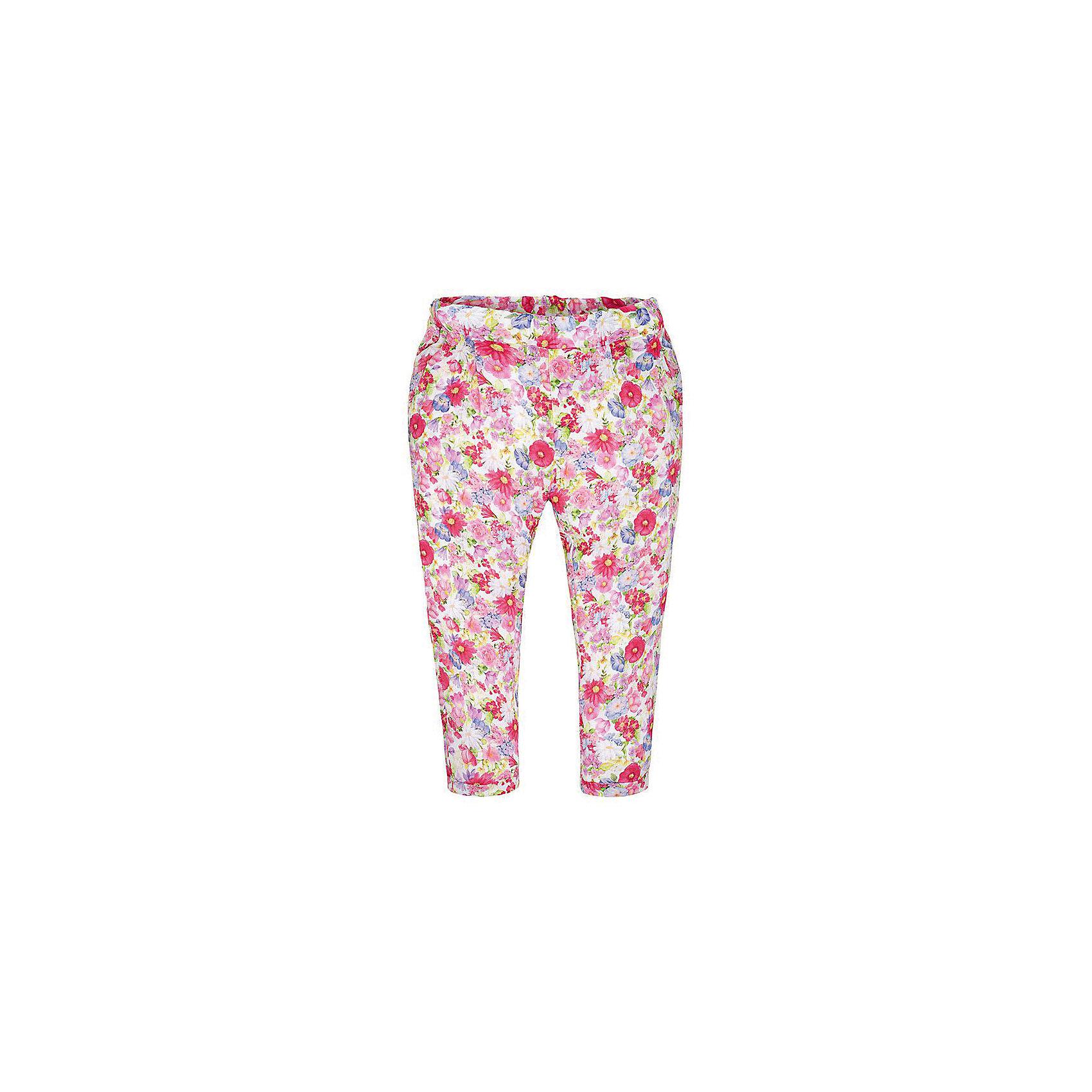 Брюки для девочки MayoralБрюки для девочки от известной испанской марки Mayoral <br><br>Яркие легкие брюки от Mayoral - прекрасный вариант для юных модниц! Они прекрасно сочетаются с разными вещами. Отличный вариант на лето. Модель выполнена из качественных материалов, отлично сидят по фигуре.<br><br>Особенности модели:<br><br>- цвет: разноцветный;<br>- крой брючин: зауженный;<br>- цветочный принт;<br>- пояс на резинке.<br><br>Дополнительная информация:<br><br>Состав: 100% вискоза<br><br>Брюки для девочки Mayoral (Майорал) можно купить в нашем магазине.<br><br>Ширина мм: 215<br>Глубина мм: 88<br>Высота мм: 191<br>Вес г: 336<br>Цвет: красный<br>Возраст от месяцев: 24<br>Возраст до месяцев: 36<br>Пол: Женский<br>Возраст: Детский<br>Размер: 98,134,116,104,110,122,128<br>SKU: 4542620