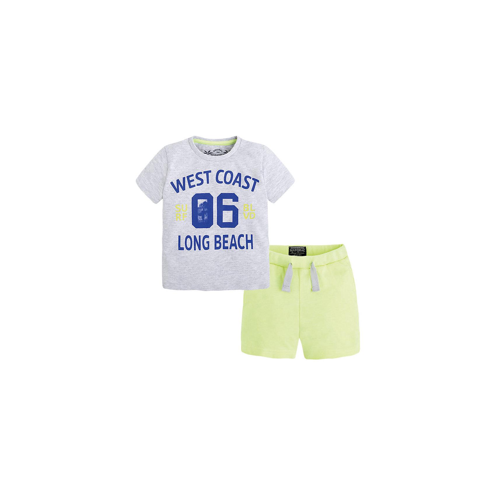 Комплект для мальчика: футболка и шорты MayoralКомплект: футболка и шорты для мальчика от известной испанской марки Mayoral <br><br>Модная футболка с шортами от Mayoral особенно актуальны в теплое время года! Она прекрасно сочетаются и с другими вещами.  Модель выполнена из качественных материалов, отлично сидит по фигуре.<br><br>Особенности модели:<br><br>- цвет: серый, желтый<br>- принт;<br>- шорты - на резинке и шнурке;<br>- натуральный материал.<br><br>Дополнительная информация:<br><br>Состав: 98% хлопок, 2% полиэстер<br><br>Комплект: футболка и шорты для мальчика Mayoral (Майорал) можно купить в нашем магазине.<br><br>Ширина мм: 199<br>Глубина мм: 10<br>Высота мм: 161<br>Вес г: 151<br>Цвет: желтый<br>Возраст от месяцев: 96<br>Возраст до месяцев: 108<br>Пол: Мужской<br>Возраст: Детский<br>Размер: 134,128,110,104,98,116,122<br>SKU: 4542674