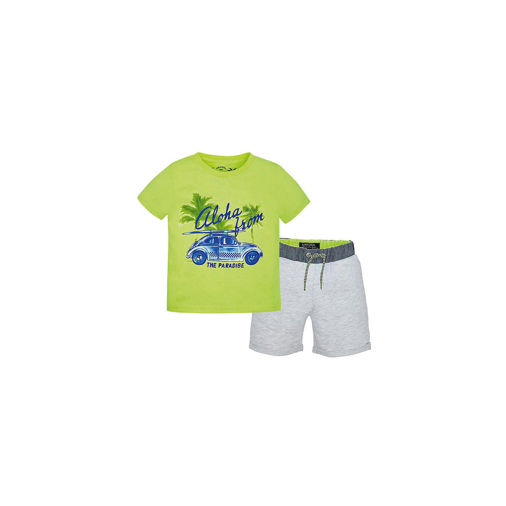 Комплект для мальчика: футболка и шорты MayoralКомплект: футболка и шорты для мальчика от известной испанской марки Mayoral <br><br>Модная футболка с шортами от Mayoral особенно актуальны в теплое время года! Она прекрасно сочетаются и с другими вещами.  Модель выполнена из качественных материалов, отлично сидит по фигуре.<br><br>Особенности модели:<br><br>- цвет: серый, зеленый;<br>- принт;<br>- шорты - на резинке и шнурке;<br>- натуральный материал.<br><br>Дополнительная информация:<br><br>Состав: 100% хлопок<br><br>Комплект: футболка и шорты для мальчика Mayoral (Майорал) можно купить в нашем магазине.<br><br>Ширина мм: 199<br>Глубина мм: 10<br>Высота мм: 161<br>Вес г: 151<br>Цвет: белый<br>Возраст от месяцев: 84<br>Возраст до месяцев: 96<br>Пол: Мужской<br>Возраст: Детский<br>Размер: 128,122,110,98,104,134,116,92<br>SKU: 4542731
