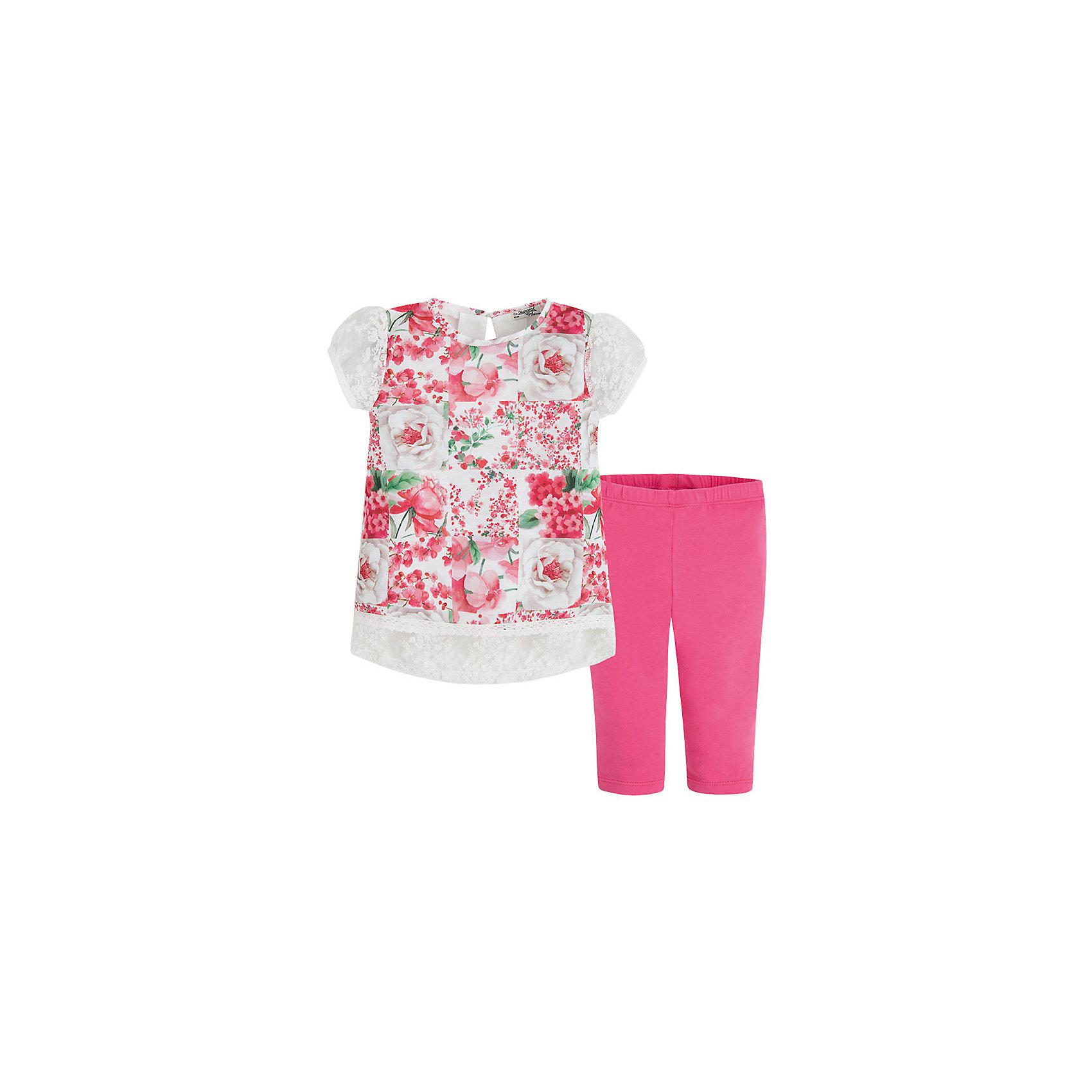 Комплект для девочки: леггинсы и футболка MayoralКомплект: леггинсы и футболка  для девочки от известной испанской марки Mayoral <br><br>Очень красивый комплект от Mayoral - отличный вариант летней одежды для девочек! Выглядит нарядно и оригинально. Модель выполнена из качественных материалов, отлично сидит по фигуре.<br><br>Особенности модели:<br><br>- цвет: белый, розовый;<br>- леггинсы -  однотонные, пояс на резинке;<br>- футболка украшена принтом и кружевами.<br><br>Дополнительная информация:<br><br>Состав: 100% полиэстер<br><br>Комплект: леггинсы и футболка для девочки Mayoral (Майорал) можно купить в нашем магазине.<br><br>Ширина мм: 123<br>Глубина мм: 10<br>Высота мм: 149<br>Вес г: 209<br>Цвет: розовый<br>Возраст от месяцев: 24<br>Возраст до месяцев: 36<br>Пол: Женский<br>Возраст: Детский<br>Размер: 98,104,110,116,122,128,134<br>SKU: 4542836