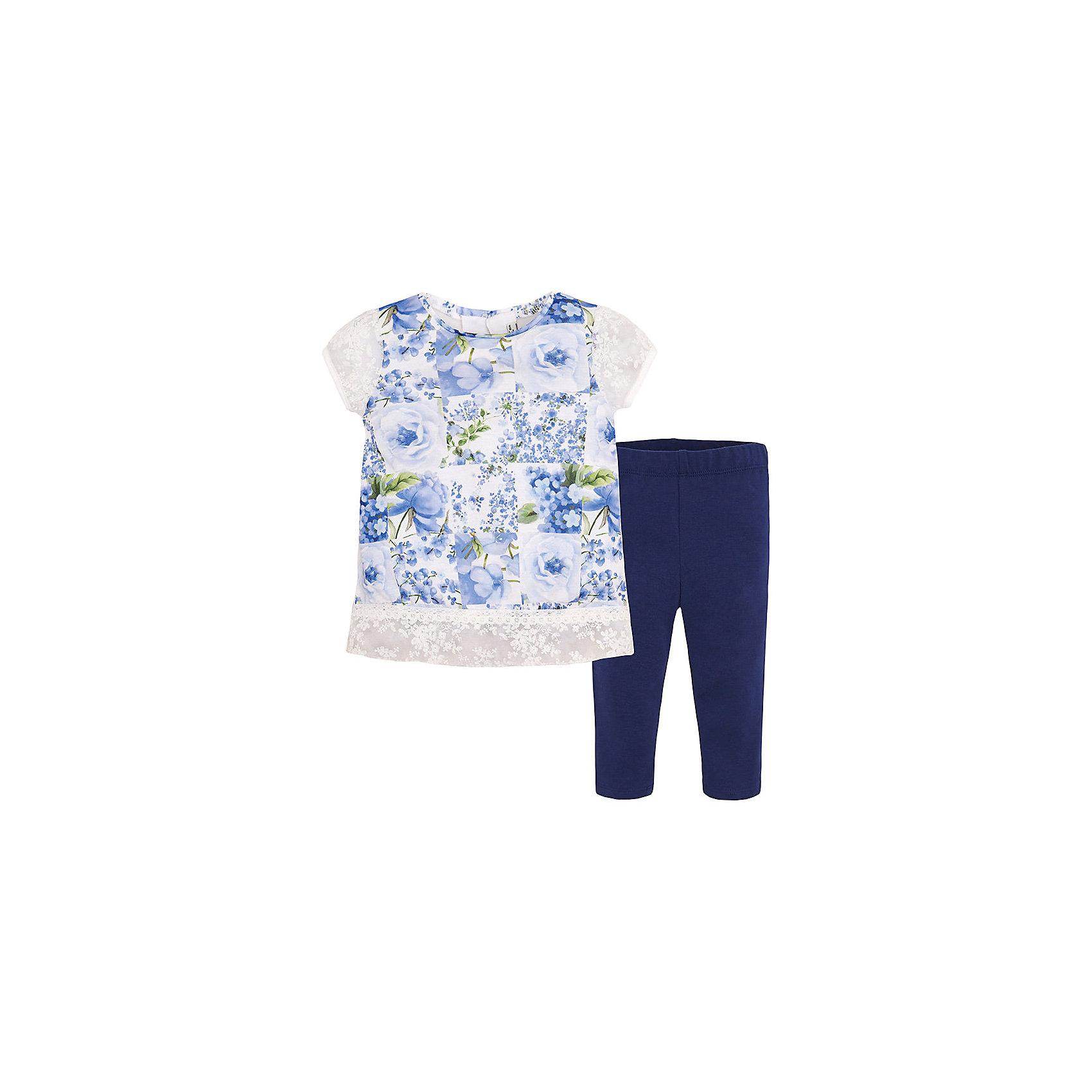 Комплект для девочки: леггинсы и футболка MayoralКомплект: леггинсы и футболка  для девочки от известной испанской марки Mayoral <br><br>Очень красивый комплект от Mayoral - отличный вариант летней одежды для девочек! Выглядит нарядно и оригинально. Модель выполнена из качественных материалов, отлично сидит по фигуре.<br><br>Особенности модели:<br><br>- цвет: белый, синий;<br>- леггинсы -  однотонные, пояс на резинке;<br>- футболка украшена принтом и кружевами.<br><br>Дополнительная информация:<br><br>Состав: 100% полиэстер<br><br>Комплект: леггинсы и футболка для девочки Mayoral (Майорал) можно купить в нашем магазине.<br><br>Ширина мм: 123<br>Глубина мм: 10<br>Высота мм: 149<br>Вес г: 209<br>Цвет: синий<br>Возраст от месяцев: 24<br>Возраст до месяцев: 36<br>Пол: Женский<br>Возраст: Детский<br>Размер: 104,110,116,122,128,98,134<br>SKU: 4542844