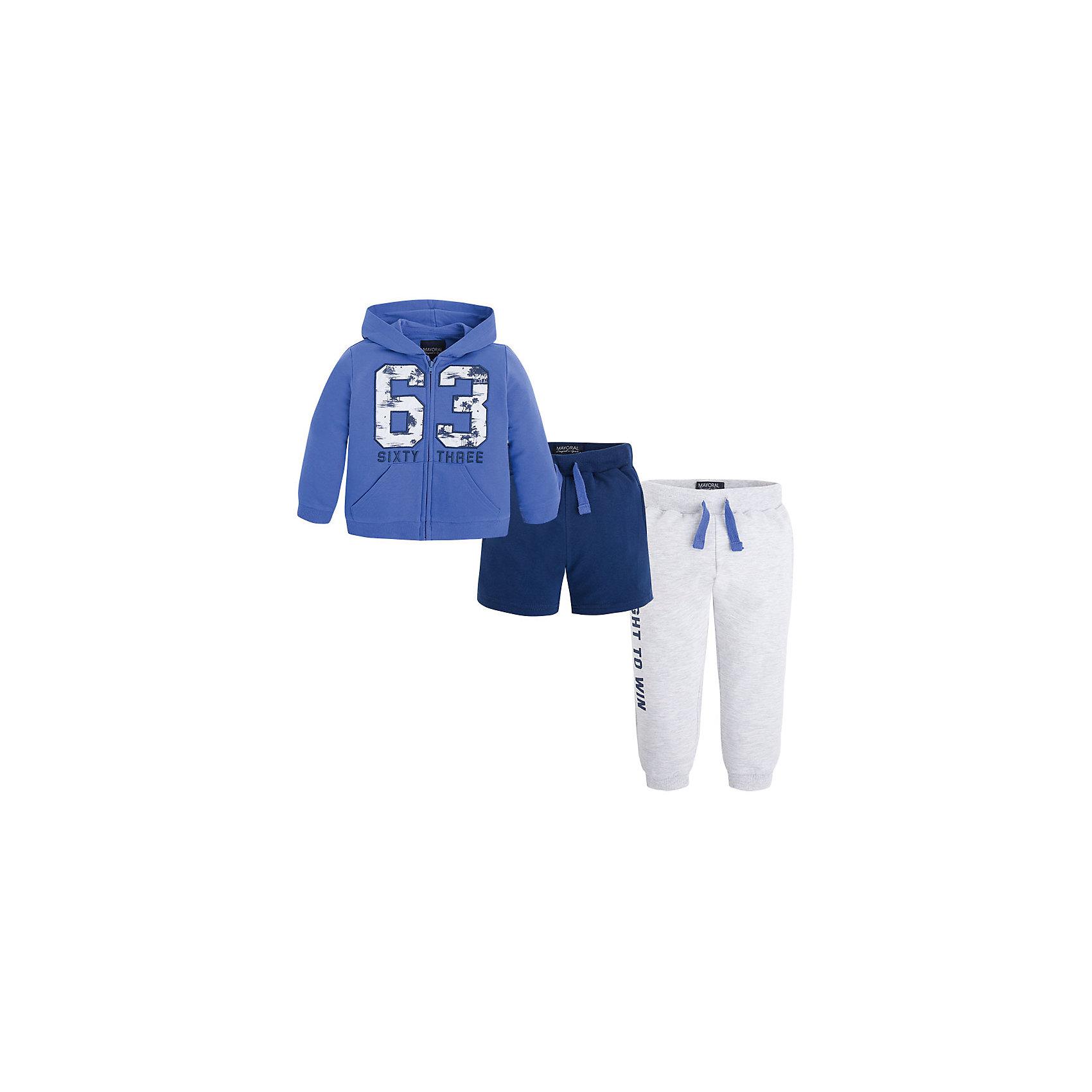 Спортивный костюм для мальчика MayoralСпортивный костюм  для мальчика от известной испанской марки Mayoral - прекрасный вариант для вашего юного спортсмена. <br><br>Дополнительная информация:<br><br>- Брюки, толстовка, шорты. <br>- Мягкая, приятная к телу ткань. <br>- Манжеты на рукавах и резинка по низу в рубчик.<br>- Капюшон. <br>- Застегивается на молнию.<br>- Надпись на груди и спине.<br>- 2 боковых кармана. <br>- Брюки и шорты на эластичном поясе с кулиской. <br>- Манжеты брючин в рубчик. <br>- Состав: 58% хлопок,  38% полиэстер, 4% эластан.<br><br>Спортивный костюм  для мальчика Mayoral (Майорал) можно купить в нашем магазине.<br><br>Ширина мм: 247<br>Глубина мм: 16<br>Высота мм: 140<br>Вес г: 225<br>Цвет: синий<br>Возраст от месяцев: 24<br>Возраст до месяцев: 36<br>Пол: Мужской<br>Возраст: Детский<br>Размер: 98,134,116,128,104,110,122<br>SKU: 4542993