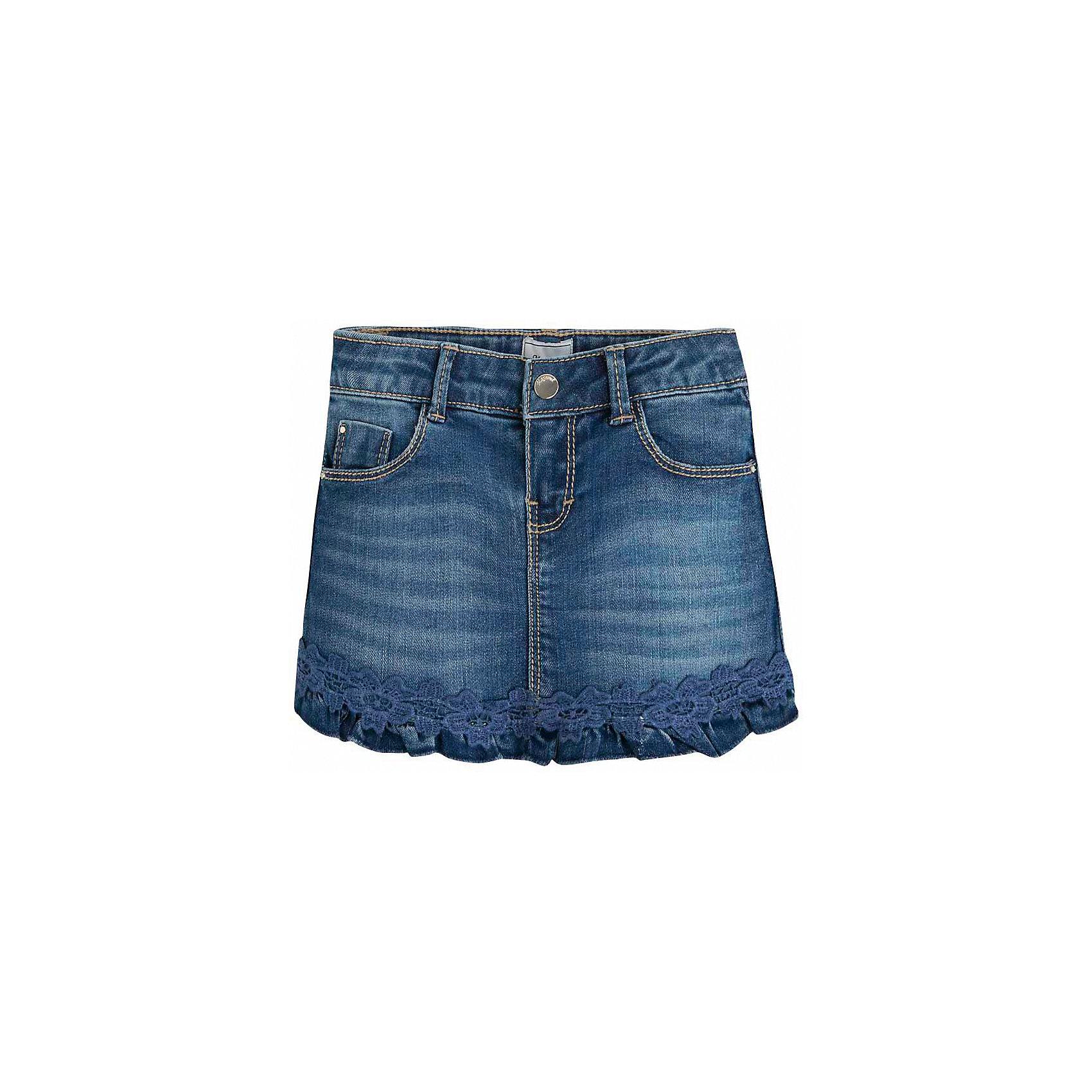 Юбка для девочки MayoralЮбка для девочки от известной испанской марки Mayoral <br><br>Джинсовая юбка от Mayoral - отличный вариант летней одежды для девочек! Выглядит нарядно и оригинально. Модель выполнена из качественных материалов, отлично сидит по фигуре.<br><br>Особенности модели:<br><br>- цвет: синий;<br>- украшена кружевом;<br>- есть карманы.<br><br>Дополнительная информация:<br><br>Состав: 98% хлопок, 2% эластан<br><br>Юбку для девочки Mayoral (Майорал) можно купить в нашем магазине.<br><br>Ширина мм: 207<br>Глубина мм: 10<br>Высота мм: 189<br>Вес г: 183<br>Цвет: голубой<br>Возраст от месяцев: 60<br>Возраст до месяцев: 72<br>Пол: Женский<br>Возраст: Детский<br>Размер: 116,98,104,110,128,122,134<br>SKU: 4543017