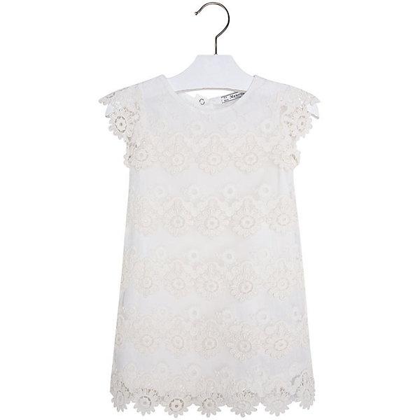 Платье для девочки MayoralОдежда<br>Платье для девочки от известной испанской марки Mayoral <br><br>Очень красивое платье от Mayoral - беспроигрышный вариант на любой праздник! Выглядит нарядно и оригинально. Модель выполнена из качественных материалов, отлично сидит по фигуре.<br><br>Особенности модели:<br><br>- цвет: белый;<br>- сверху - гипюр;<br>- есть подкладка;<br>- сзади молния.<br><br>Дополнительная информация:<br><br>Состав: 100% полиэстер<br><br>Платье для девочки Mayoral (Майорал) можно купить в нашем магазине.<br>Ширина мм: 236; Глубина мм: 16; Высота мм: 184; Вес г: 177; Цвет: белый; Возраст от месяцев: 84; Возраст до месяцев: 96; Пол: Женский; Возраст: Детский; Размер: 128,92,98,104,110,116,134,122; SKU: 4543110;
