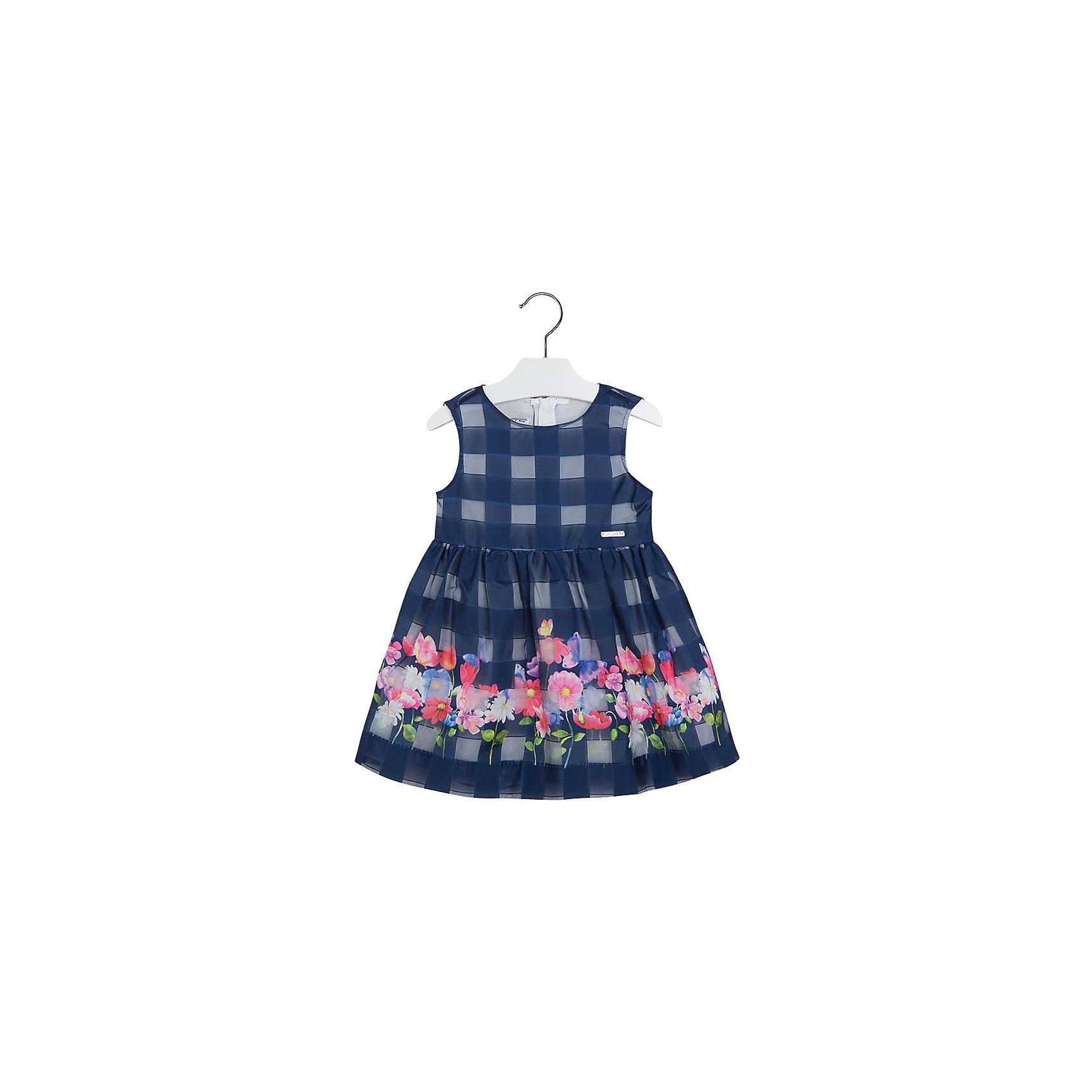 Платье для девочки MayoralЛетние платья и сарафаны<br>Платье для девочки от известной испанской марки Mayoral подойдет как для торжественного мероприятия, так и для повседневной носки. Ни одна юная модница не устоит перед таким нарядом! <br><br>Дополнительная информация:<br><br>- Оригинальная и стильная модель.<br>- Цвет: синий.<br>- Актуальный клетчатый принт.<br>- Без рукава.<br>- Пышная юбка.<br>- Яркий цветочный принт.  <br>- Застегивается на потайную молнию сзади.<br>- Состав:  верх - 100 % полиэстер; подкладка - 100% хлопок.<br><br>Платье для девочки Mayoral (Майорал) можно купить в нашем магазине.<br><br>Ширина мм: 236<br>Глубина мм: 16<br>Высота мм: 184<br>Вес г: 177<br>Цвет: синий<br>Возраст от месяцев: 72<br>Возраст до месяцев: 84<br>Пол: Женский<br>Возраст: Детский<br>Размер: 122,134,116,110,98,92,104,128<br>SKU: 4543128