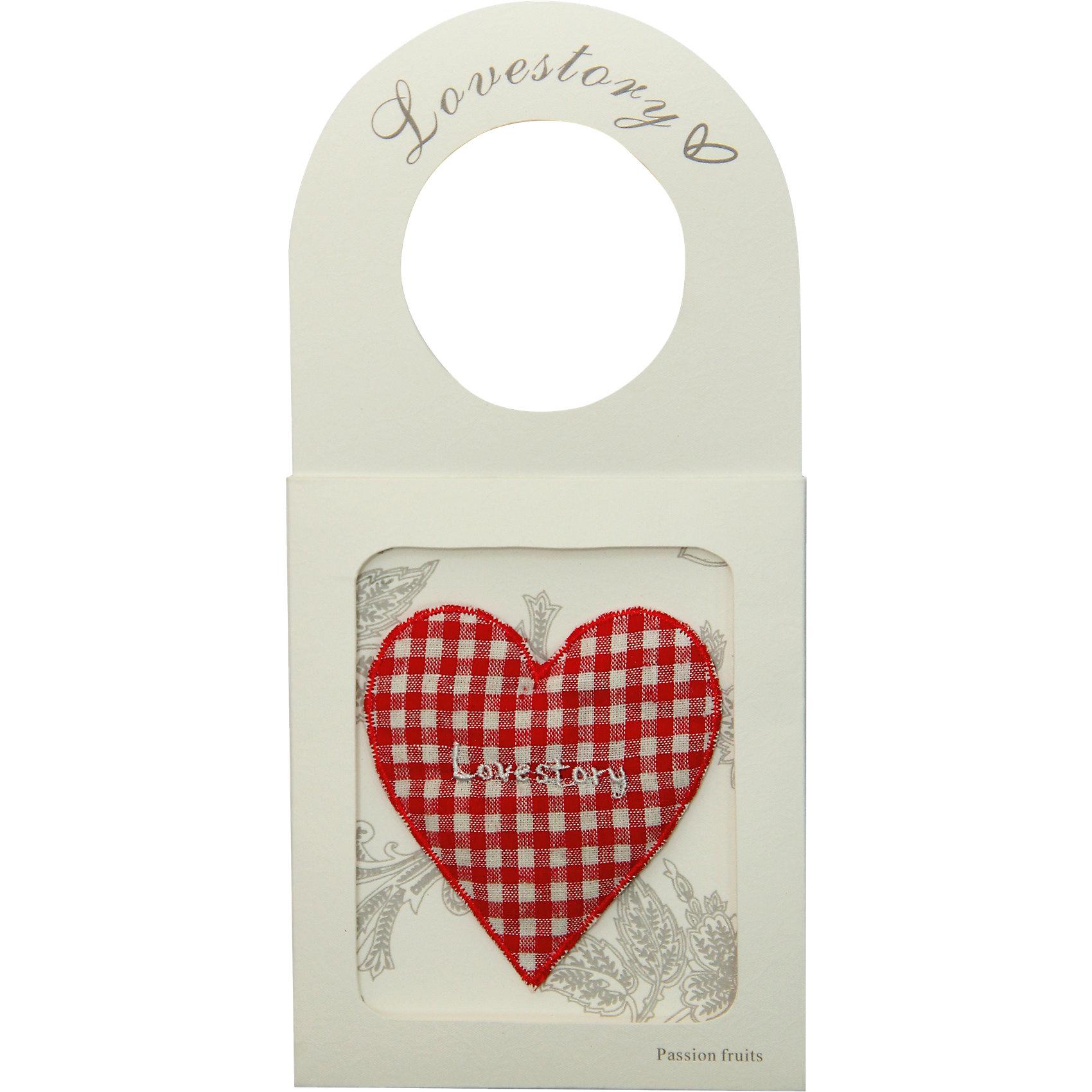 Ароматизированное саше Маракуйя с держателемАроматизированное саше Маракуйя, выполненное из ткани, станет прекрасным символическим подарком на любой праздник. Саше с нежным фруктовым запахом наполнит гардеробную ненавязчивым и изысканным ароматом.<br><br>Дополнительная информация:<br><br>- Материал: ароматизированный вермикулит, бумага, текстиль.<br>- Размер: 11х22,6 см.<br>- Аромат маракуйя.<br>- С бумажным держателем.<br>- Для белья и гардеробов.<br>- Долго сохраняет аромат. <br><br>Ароматизированное саше Маракуйя, с держателем, можно купить в нашем магазине.<br><br>Ширина мм: 110<br>Глубина мм: 8<br>Высота мм: 226<br>Вес г: 20<br>Возраст от месяцев: 36<br>Возраст до месяцев: 2147483647<br>Пол: Женский<br>Возраст: Детский<br>SKU: 4548374