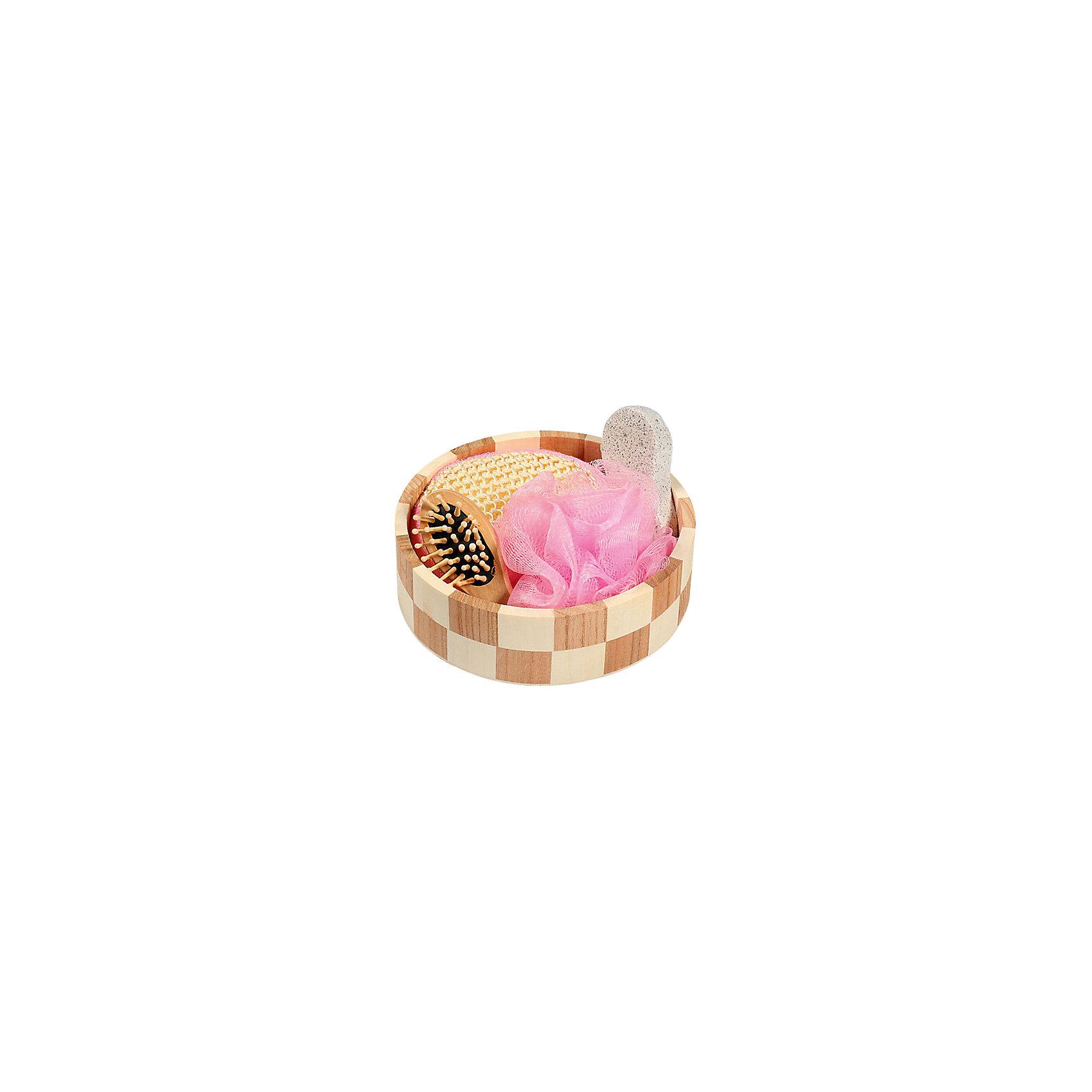 Набор для ванной и бани Розовое облако (3 предмета)Набор для ванной приятный подарок на любой праздник. В набор входит удобная маленькая мочалка для купания (из сизаля), мочалка для купания из полиэтилена, пемза для ухода за кожей, массажная щетка для волос из дерева. Все предметы упакованы в оригинальную деревянную коробку, которая сможет служить шкатулкой для различных мелочей. <br><br>Дополнительная информация:<br><br>- Материал: древесина тополя, древесина павлонии, полиэтилен, пемза, сизаль, текстиль. <br>- Размер упаковки: 17,5х6 см.<br>- Комплектация: маленькая мочалка, большая мочалка, пемза, щетка для волос. <br><br>Набор для ванной и бани Розовое облако (4 предмета) можно купить в нашем магазине.<br><br>Ширина мм: 175<br>Глубина мм: 60<br>Высота мм: 60<br>Вес г: 300<br>Возраст от месяцев: 36<br>Возраст до месяцев: 2147483647<br>Пол: Женский<br>Возраст: Детский<br>SKU: 4548380