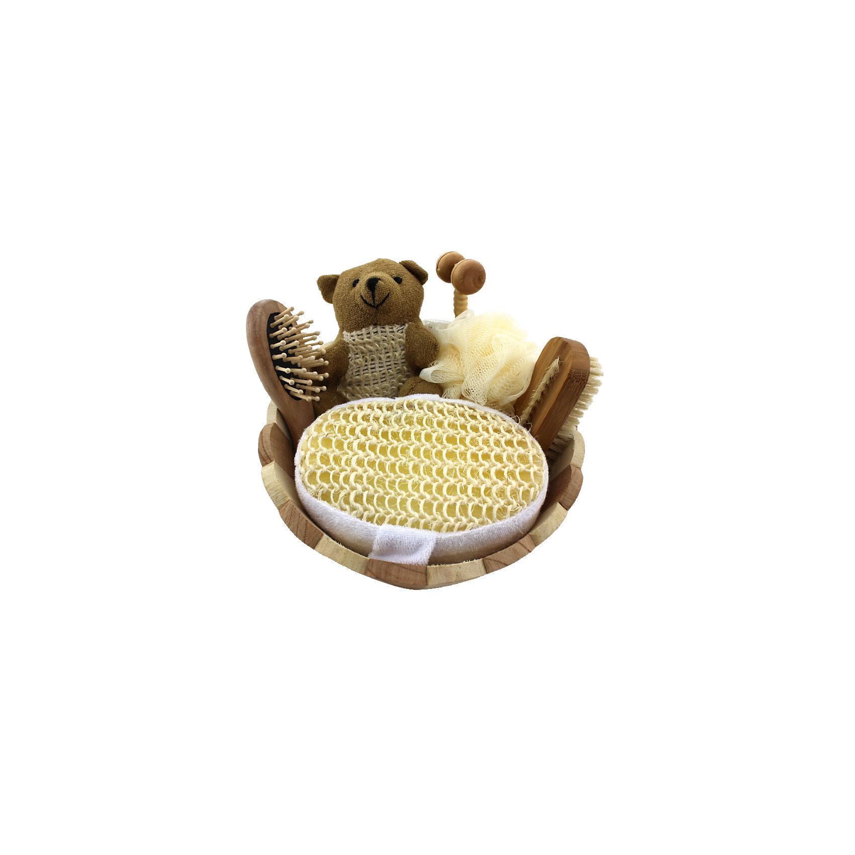 Набор для ванной и бани Бежевый мишка (6 предметов)Ванная комната<br>Набор для ванной и бани приятный подарок на любой праздник. В набор входит удобная маленькая мочалка для купания (из сизаля), мочалка для купания из полиэтилена, мочалка в виде мишки, массажный ролик из древесины павловнии, массажная щетка для волос из дерева, массажная щетка для тела. Все предметы упакованы в оригинальную деревянную коробку, которая сможет служить шкатулкой для различных мелочей. <br><br>Дополнительная информация:<br><br>- Материал: древесина тополя, древесина павлонии, полиэтилен, пемза, сизаль, текстиль. <br>- Размер упаковки: 22х6,5 см.<br>- Комплектация: маленькая мочалка, большая мочалка, мочалка в виде мишки, щетка для тела, щетка для волос.<br> <br>Набор для ванной и бани Бежевый мишка (6 предметов) можно купить в нашем магазине.<br><br>Ширина мм: 220<br>Глубина мм: 65<br>Высота мм: 65<br>Вес г: 300<br>Возраст от месяцев: 36<br>Возраст до месяцев: 2147483647<br>Пол: Унисекс<br>Возраст: Детский<br>SKU: 4548381