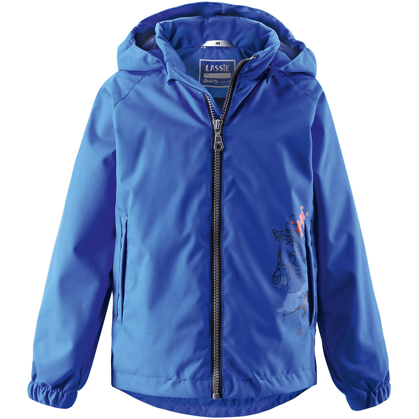 Куртка для мальчика LASSIE by ReimaКуртка для мальчика от известной компании LASSIE by Reima<br><br>Демисезонная куртка - отличная вещь для прогулок и активного отдыха. Она создана для прохладной погоды - спасет от ветра и дождя.<br>Куртка выполнена в оригинальной расцветке, легко надевается, не промокает. Ее очень просто чистить. Эта стильная и качественная вещь прослужит не один сезон!<br><br>Особенности модели:<br><br>- цвет: синий;<br>- без утеплителя;<br>- съемный капюшон;<br>- подол куртки регулируется;<br>- водо- и ветронепроницаемый, грязеотталкивающий материал;<br>- карманы на липучках;<br>- декорирована принтом;<br>- застежка - молния;<br>- внизу рукавов - резинки.<br><br>Дополнительная информация:<br><br>Температурный режим: от +10° до +20° С<br><br>Состав: 100% полиэстер<br><br>Куртку для мальчика от известной компании LASSIE by Reima (Лэсси Рейма) можно купить в нашем магазине.<br><br>Ширина мм: 356<br>Глубина мм: 10<br>Высота мм: 245<br>Вес г: 519<br>Цвет: синий<br>Возраст от месяцев: 24<br>Возраст до месяцев: 36<br>Пол: Мужской<br>Возраст: Детский<br>Размер: 98,140,116,92,104,110,122,128,134<br>SKU: 4555163
