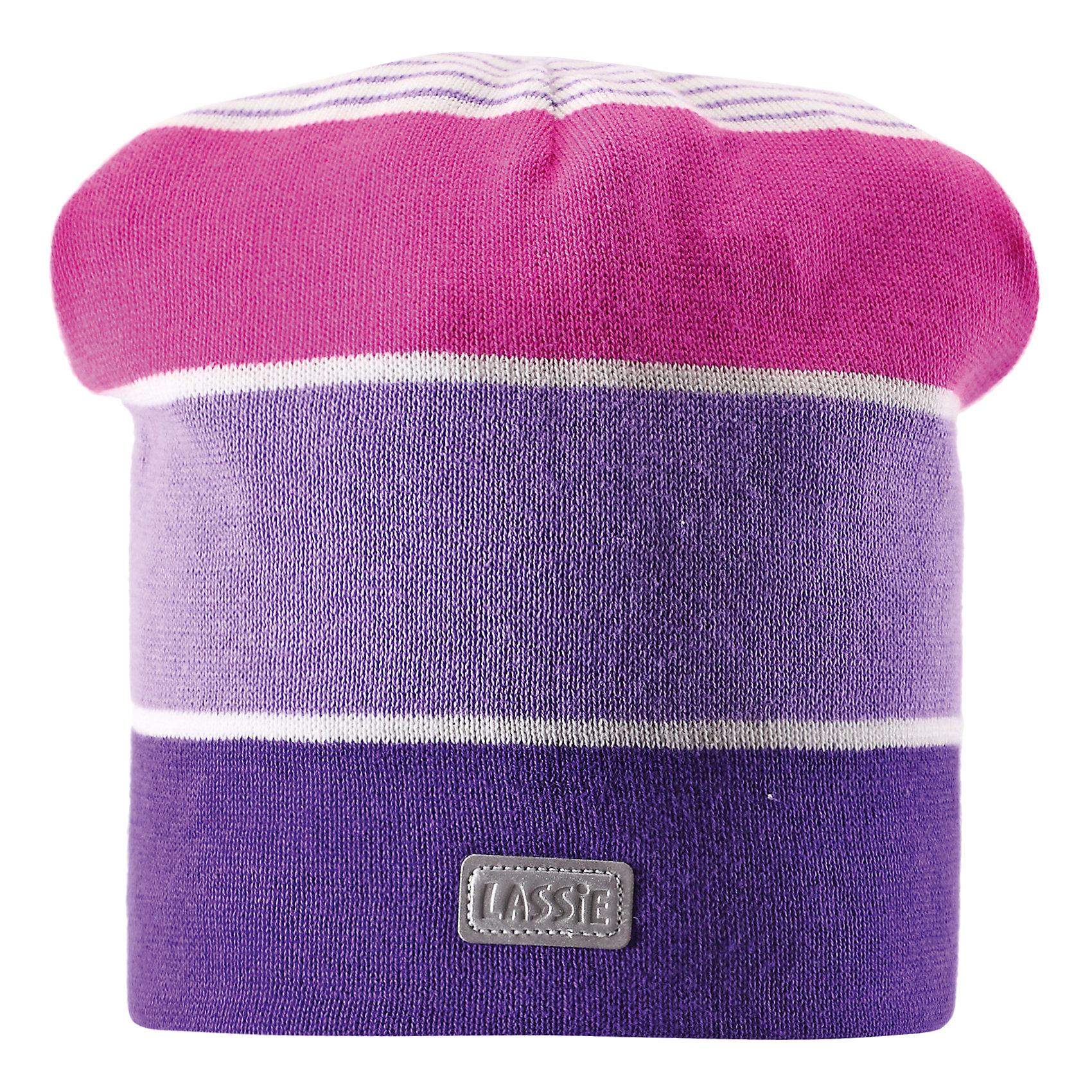 Шапка для девочки LASSIEШапки и шарфы<br>Шапка для девочки от известной компании LASSIE<br><br>Модная теплая шапка - отличная вещь для прогулок и активного отдыха. Она стильно смотрится и хорошо сидит.<br><br>Яркая расцветка оживляет дизайн изделия - такую вещь дети будут носить с удовольствием!<br><br>Особенности модели:<br><br>- цвет: сиреневый;<br>- декорирована светоотражающей нашивкой;<br>- приятный материал;<br>- натуральный хлопок;<br>- стильный дизайн;<br>- ветронепроницаемые вставки для защиты ушей;<br>- глубокая посадка.<br><br>Дополнительная информация:<br><br>Температурный режим: от -15° до +10° С<br><br>Состав: 100% хлопок<br><br>Шапку для девочки от известной компании LASSIE (Лэсси Рейма) можно купить в нашем магазине.<br><br>Ширина мм: 89<br>Глубина мм: 117<br>Высота мм: 44<br>Вес г: 155<br>Цвет: разноцветный<br>Возраст от месяцев: 12<br>Возраст до месяцев: 24<br>Пол: Женский<br>Возраст: Детский<br>Размер: 54-56,46-48,50-52<br>SKU: 4555398