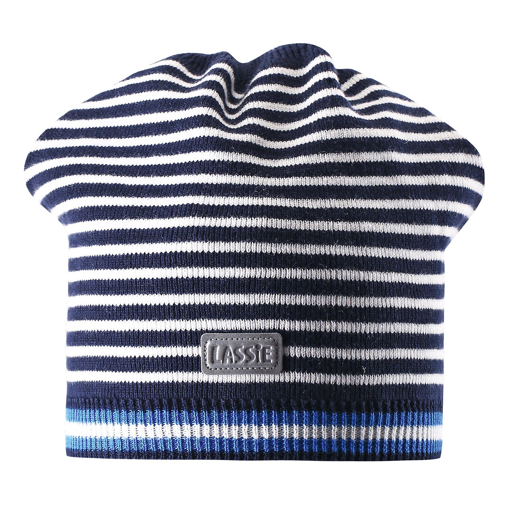 Шапка  LASSIE by ReimaШапка от известной компании LASSIE by Reima<br><br>Стильная и удобная шапка - отличная вещь для прогулок и активного отдыха. Она стильно смотрится и хорошо сидит.<br><br>Необычная форма оживляет дизайн изделия - такую вещь дети будут носить с удовольствием!<br><br>Особенности модели:<br><br>- цвет: белый черный;<br>- приятный материал;<br>- натуральный хлопок;<br>- стильный дизайн;<br>- в полоску;<br>- светоотражающая нашивка;<br>- глубокая посадка.<br><br>Дополнительная информация:<br><br>Температурный режим: от -5° до +15° С<br><br>Состав: 100% хлопок<br><br>Шапку от известной компании LASSIE by Reima (Лэсси Рейма) можно купить в нашем магазине.<br><br>Ширина мм: 89<br>Глубина мм: 117<br>Высота мм: 44<br>Вес г: 155<br>Цвет: синий<br>Возраст от месяцев: 72<br>Возраст до месяцев: 120<br>Пол: Унисекс<br>Возраст: Детский<br>Размер: 54-56,50-52<br>SKU: 4555417
