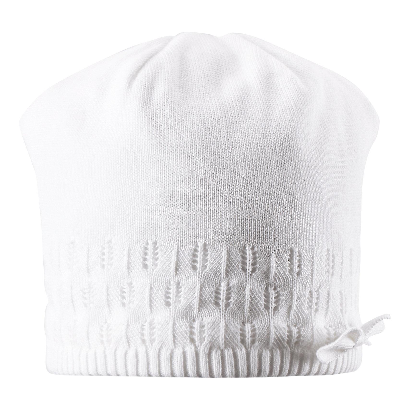 Шапка для девочки LASSIE by ReimaШапка для девочки от известной компании LASSIE by Reima<br><br>Вязаная теплая шапка - отличная вещь для прогулок и активного отдыха. Она стильно смотрится и хорошо сидит.<br><br>Приятная расцветка оживляет дизайн изделия - такую вещь дети будут носить с удовольствием!<br><br>Особенности модели:<br><br>- цвет: белый;<br>- приятный материал;<br>- натуральный хлопок;<br>- стильный дизайн;<br>- объемная структура;<br>- ветронепроницаемые вставки для защиты ушей;<br>- глубокая посадка.<br><br>Дополнительная информация:<br><br>Температурный режим: от -15° до +10° С<br><br>Состав: 100% хлопок<br><br>Шапку для девочки от известной компании LASSIE by Reima (Лэсси Рейма) можно купить в нашем магазине.<br><br>Ширина мм: 89<br>Глубина мм: 117<br>Высота мм: 44<br>Вес г: 155<br>Цвет: белый<br>Возраст от месяцев: 36<br>Возраст до месяцев: 60<br>Пол: Женский<br>Возраст: Детский<br>Размер: 50-52,54-56,46-48<br>SKU: 4555424