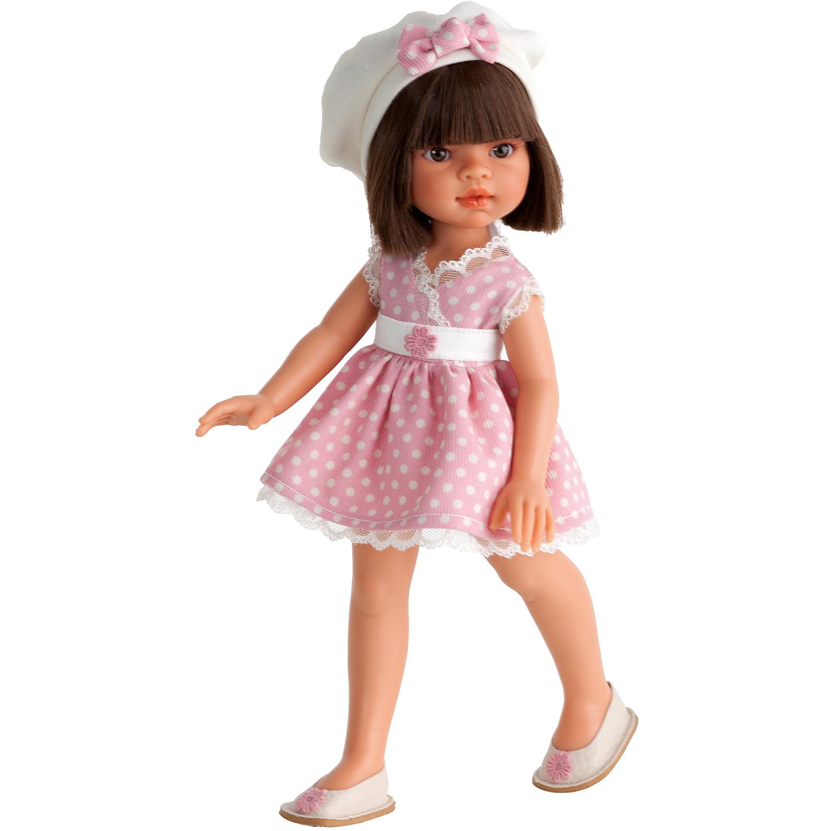 Кукла Эмили, брюнетка, 33 см, Munecas Antonio JuanКлассические куклы<br>Кукла Эмили, брюнетка, 33 см, Munecas Antonio Juan (Мунекас Антонио Хуан) – это красивая кукла в летнем наряде порадует вашу девочку.<br>Очаровательная девочка Эмили - это высококачественная кукла, созданная испанским производителем Мунекас Антонио Хуан. У Эмили грациозная стройная фигура и симпатичное лицо, выполненное с тщательной прорисовкой деталей. Выразительные глазки обрамлены длинными ресницами. Густые шелковистые волосы легко расчесывать и делать различные прически. Руки, ноги и голова куклы подвижны. Глаза не закрываются. Стильный наряд куклы создан испанским дизайнером. Эмили одета в нежно-розовое платьице в белый горошек, изящный беретик с бантиком, а на ножках – красивые белые туфельки с цветочком. Кукла изготовлена из высококачественного винила с добавлением силикона.<br><br>Дополнительная информация:<br><br>- Высота куклы: 33 см.<br>- Материал: текстиль, высококачественный винил, силикон<br>- Упаковка: подарочная коробка<br>- Размер упаковки: 39х24,5х9,5 см.<br>- Вес: 683 гр.<br><br>Куклу Эмили, брюнетку, 33 см, Munecas Antonio Juan (Мунекас Антонио Хуан) можно купить в нашем интернет-магазине.<br><br>Ширина мм: 390<br>Глубина мм: 245<br>Высота мм: 95<br>Вес г: 683<br>Возраст от месяцев: 36<br>Возраст до месяцев: 84<br>Пол: Женский<br>Возраст: Детский<br>SKU: 4558041