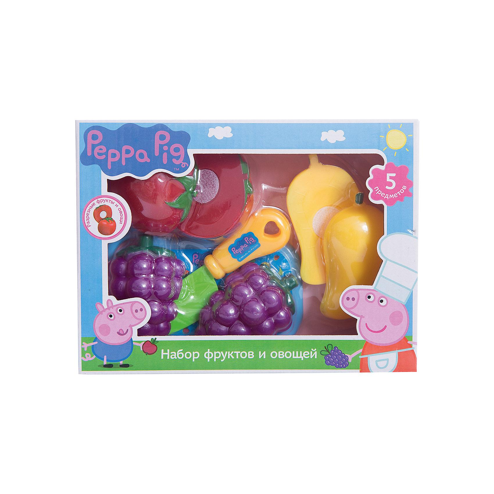 Набор Фрукты и овощи, Свинка ПеппаИгрушечные продукты питания<br>Набор Фрукты и овощи, Свинка Пеппа – набор пластиковых продуктов и кухонной утвари позволит малышке почувствовать себя настоящей хозяйкой.<br>С игровым набором фруктов и овощей Свинка Пеппа юные фантазеры смогут организовать множество увлекательных сюжетно-ролевых игр, во время которых у них будут развиваться навыки общения, словарный запас, моторика и, конечно, интерес к кулинарии, что особенно важно для развития хозяйственности в девочках. Такой набор станет прекрасным дополнением для детской кухни.<br><br>Дополнительная информация:<br><br>- В наборе 5 предметов: помидор, виноград, перец (каждый продукт разделен на 2 половинки, скрепляющихся на липучку), разделочная доска, безопасный ножик<br>- Игрушки выполнены из высококачественного пластика, не имеют острых углов<br>- Товар сертифицирован<br>- Упаковка: коробка с окном<br>- Размер упаковки: 20х15х5,5 см.<br>- Вес: 156 гр.<br><br>Набор Фрукты и овощи, Свинка Пеппа можно купить в нашем интернет-магазине.<br><br>Ширина мм: 200<br>Глубина мм: 150<br>Высота мм: 55<br>Вес г: 156<br>Возраст от месяцев: 36<br>Возраст до месяцев: 72<br>Пол: Женский<br>Возраст: Детский<br>SKU: 4558614