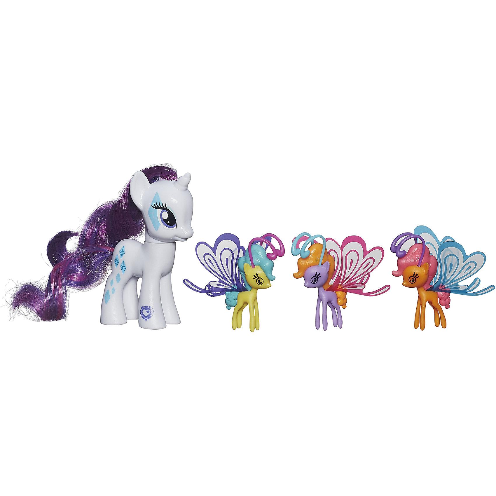Пони Делюкс с волшебными крыльями, My little Pony,  B3014/B0358Игрушки<br>Очаровательные героини известного мультсериала Мой маленький Пони приведут в восторг всех девочек. В наборе - фигурка пони с пушистой гривой и три маленькие пони с крылышками. Теперь любимые лошадки смогут играть не только на земле, но и в воздухе. Игрушки выполнены из высококачественного экологичного пластика с применением гипоаллергенных красителей безопасных для детей. <br><br>Дополнительная информация:<br><br>- Материал: пластик.<br>- Размер: 20х17х4 см.<br>- Высота пони: 8 см.<br>- Высота крылатых пони: 4,5 см.<br>- Комплектация: 4 фигурки пони - большая пони, 3 маленьких пони с крылышками. <br><br>Пони Делюкс с волшебными крыльями, My little Pony (Май литл Пони),  можно купить в нашем магазине.<br><br>Ширина мм: 44<br>Глубина мм: 203<br>Высота мм: 197<br>Вес г: 350<br>Возраст от месяцев: 36<br>Возраст до месяцев: 72<br>Пол: Женский<br>Возраст: Детский<br>SKU: 4563922