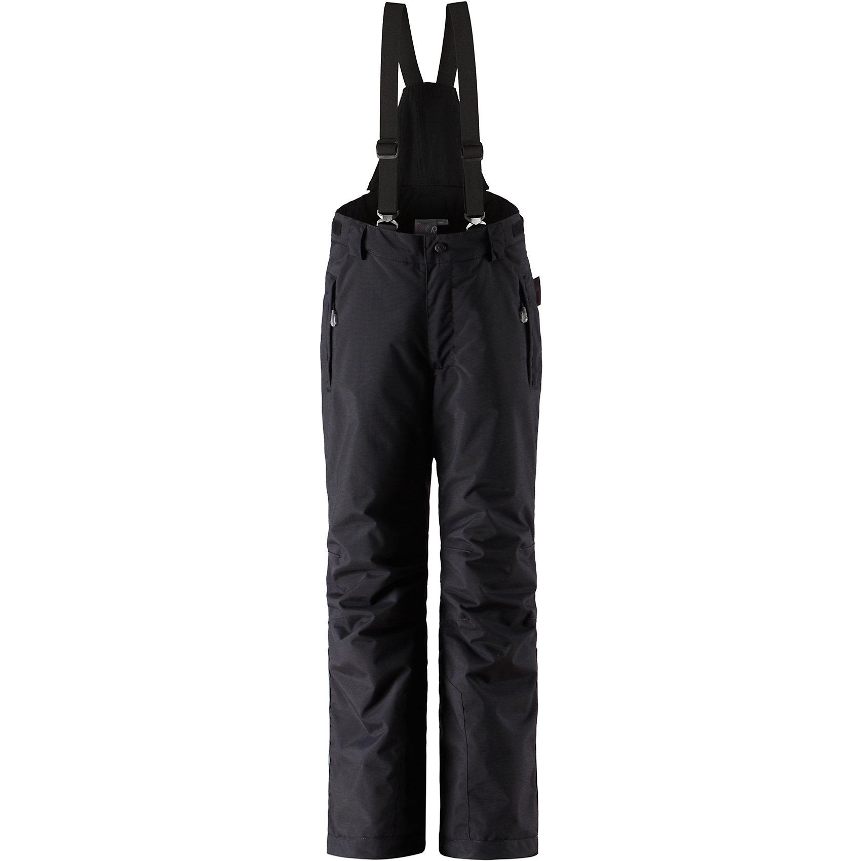 Брюки Reimatec ReimaПолностью водонепроницаемый материал и швы делают эти брюки прекрасным выбором для активного времяпровождения на воздухе. Съемные подтяжки и регулируемая талия добавляют комфорт, а Защита от снега в нижней части брючин не пропускает снег и влагу при любой погоде.<br><br>Дополнительная информация:<br><br>Водонепроницаемость: 15000<br>Легкая степень утепления (100 г)<br>Температурный режим: до -10<br>Все швы проклеены<br>Съемные подтяжки<br>Карманы на молнии<br>Регулируемая талия<br>Защита от снега в нижней части брючин<br><br>Брюки Reimatec (Рейматек) Reima (Рейма) можно купить в нашем магазине.<br><br>Ширина мм: 215<br>Глубина мм: 88<br>Высота мм: 191<br>Вес г: 336<br>Цвет: черный<br>Возраст от месяцев: 96<br>Возраст до месяцев: 108<br>Пол: Унисекс<br>Возраст: Детский<br>Размер: 134,164,158,140,146,152<br>SKU: 4566189