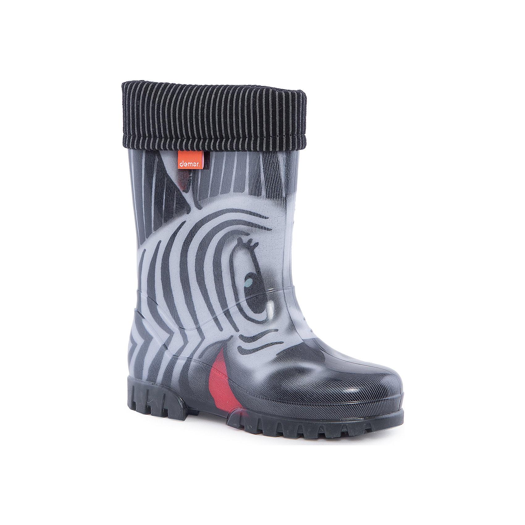 Резиновый сапоги Twister Lux Print Зебра DEMARХарактеристики товара:<br><br>• цвет: серый<br>• материал верха: ПВХ<br>• материал подкладки: текстиль <br>• материал подошвы: ПВХ<br>• температурный режим: от 0° до +15° С<br>• верх не продувается<br>• стильный дизайн<br>• страна бренда: Польша<br>• страна изготовитель: Польша<br><br>Осенью и весной ребенку не обойтись без непромокаемых сапожек! Чтобы не пропустить главные удовольствия межсезонья, нужно запастись удобной обувью. Такие сапожки обеспечат ребенку необходимый для активного отдыха комфорт, а подкладка из текстиля позволит ножкам оставаться теплыми. Сапожки легко надеваются и снимаются, отлично сидят на ноге. Они удивительно легкие!<br>Обувь от польского бренда Demar - это качественные товары, созданные с применением новейших технологий и с использованием как натуральных, так и высокотехнологичных материалов. Обувь отличается стильным дизайном и продуманной конструкцией. Изделие производится из качественных и проверенных материалов, которые безопасны для детей.<br><br>Сапожки от бренда Demar (Демар) можно купить в нашем интернет-магазине.<br><br>Ширина мм: 237<br>Глубина мм: 180<br>Высота мм: 152<br>Вес г: 438<br>Цвет: разноцветный<br>Возраст от месяцев: 96<br>Возраст до месяцев: 108<br>Пол: Унисекс<br>Возраст: Детский<br>Размер: 32/33,34/35,30/31,28/29<br>SKU: 4576041