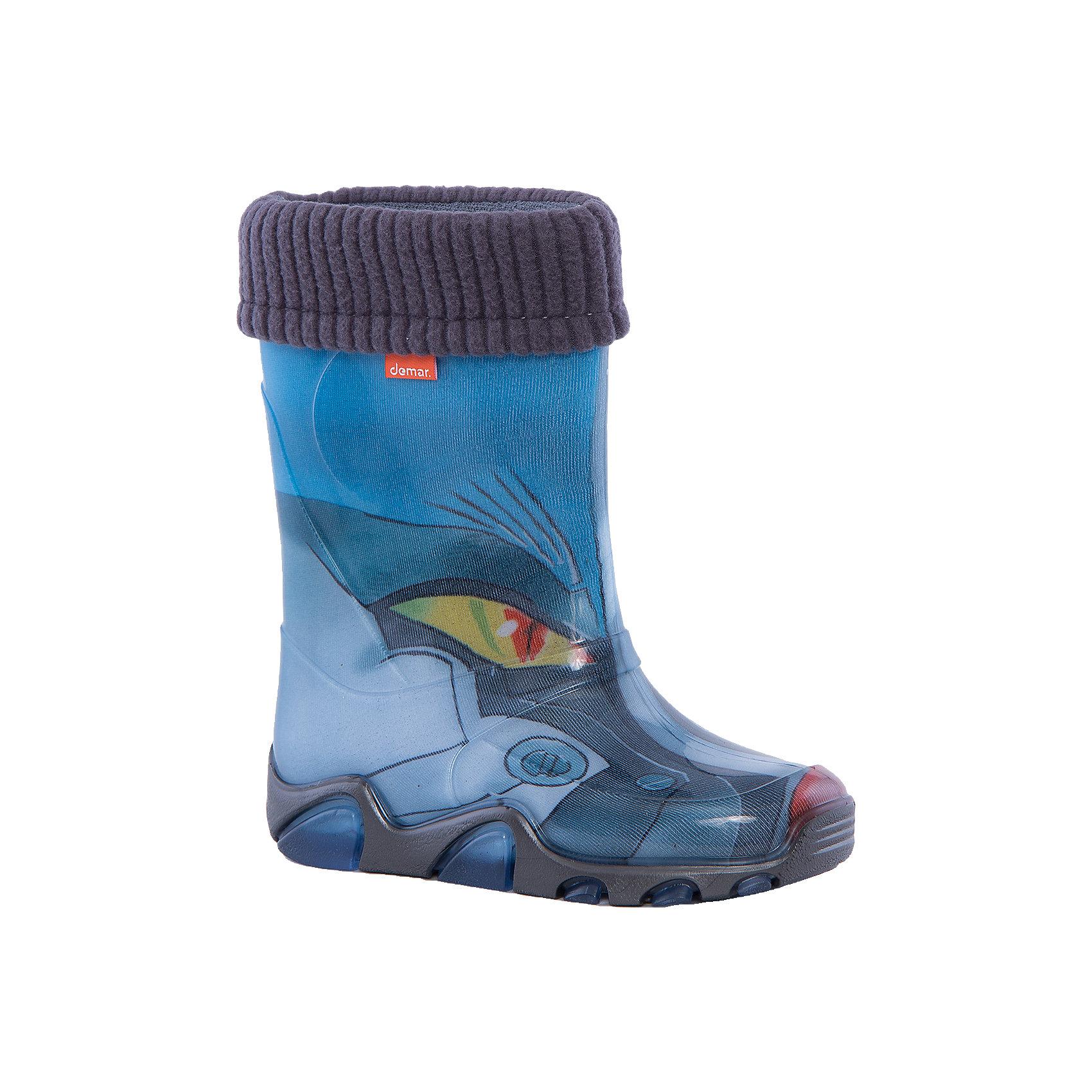 Резиновые сапоги Stormer Lux Print для мальчика DEMARХарактеристики товара:<br><br>• цвет: голубой<br>• материал верха: ПВХ<br>• материал подкладки: текстиль <br>• материал подошвы: ПВХ<br>• температурный режим: от 0° до +15° С<br>• верх не продувается<br>• съемный чулок<br>• стильный дизайн<br>• страна бренда: Польша<br>• страна изготовитель: Польша<br><br>Осенью и весной ребенку не обойтись без непромокаемых сапожек! Чтобы не пропустить главные удовольствия межсезонья, нужно запастись удобной обувью. Такие сапожки обеспечат ребенку необходимый для активного отдыха комфорт, а подкладка из текстиля позволит ножкам оставаться теплыми. Сапожки легко надеваются и снимаются, отлично сидят на ноге. Они удивительно легкие!<br>Обувь от польского бренда Demar - это качественные товары, созданные с применением новейших технологий и с использованием как натуральных, так и высокотехнологичных материалов. Обувь отличается стильным дизайном и продуманной конструкцией. Изделие производится из качественных и проверенных материалов, которые безопасны для детей.<br><br>Сапожки от бренда Demar (Демар) можно купить в нашем интернет-магазине.<br><br>Ширина мм: 257<br>Глубина мм: 180<br>Высота мм: 130<br>Вес г: 420<br>Цвет: разноцветный<br>Возраст от месяцев: 120<br>Возраст до месяцев: 132<br>Пол: Мужской<br>Возраст: Детский<br>Размер: 34/35,30/31,32/33,28/29<br>SKU: 4576050