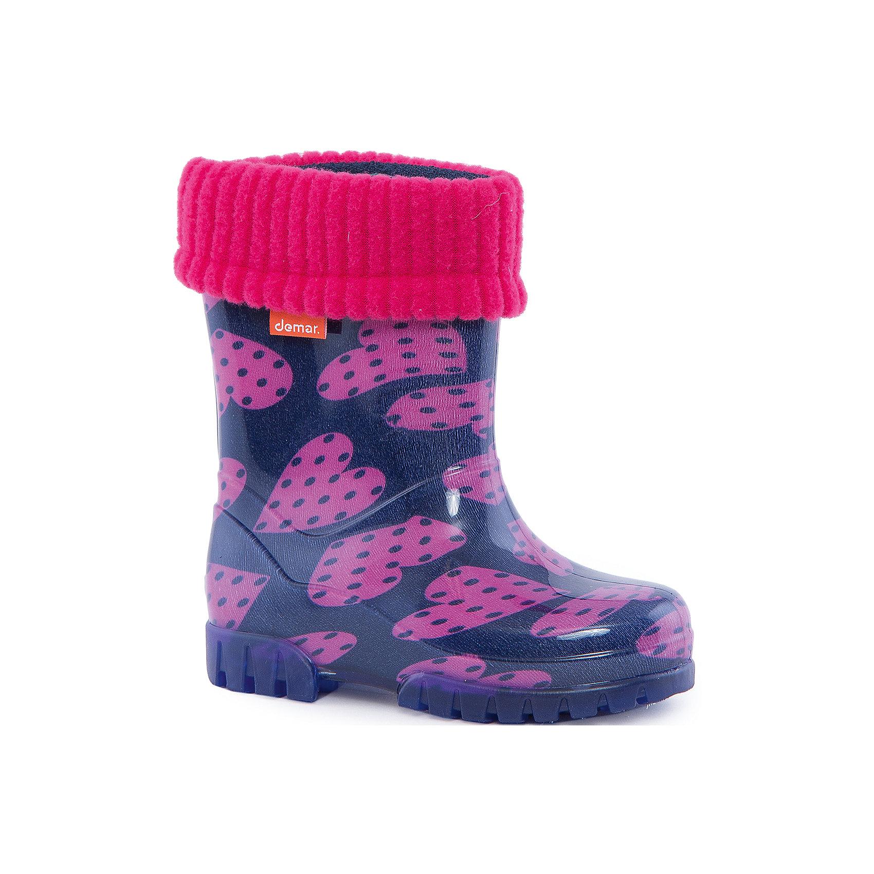 Резиновые сапоги Twister Lux Print для девочки DEMARХарактеристики товара:<br><br>• цвет: фиолетовый<br>• материал верха: ПВХ<br>• материал подкладки: текстиль <br>• материал подошвы: ПВХ<br>• температурный режим: от 0° до +15° С<br>• верх не продувается<br>• съемный чулок<br>• стильный дизайн<br>• страна бренда: Польша<br>• страна изготовитель: Польша<br><br>Осенью и весной ребенку не обойтись без непромокаемых сапожек! Чтобы не пропустить главные удовольствия межсезонья, нужно запастись удобной обувью. Такие сапожки обеспечат ребенку необходимый для активного отдыха комфорт, а подкладка из текстиля позволит ножкам оставаться теплыми. Сапожки легко надеваются и снимаются, отлично сидят на ноге. Они удивительно легкие!<br>Обувь от польского бренда Demar - это качественные товары, созданные с применением новейших технологий и с использованием как натуральных, так и высокотехнологичных материалов. Обувь отличается стильным дизайном и продуманной конструкцией. Изделие производится из качественных и проверенных материалов, которые безопасны для детей.<br><br>Сапожки от бренда Demar (Демар) можно купить в нашем интернет-магазине.<br><br>Ширина мм: 237<br>Глубина мм: 180<br>Высота мм: 152<br>Вес г: 438<br>Цвет: разноцветный<br>Возраст от месяцев: 15<br>Возраст до месяцев: 18<br>Пол: Женский<br>Возраст: Детский<br>Размер: 24/25,22/23,26/27<br>SKU: 4576080