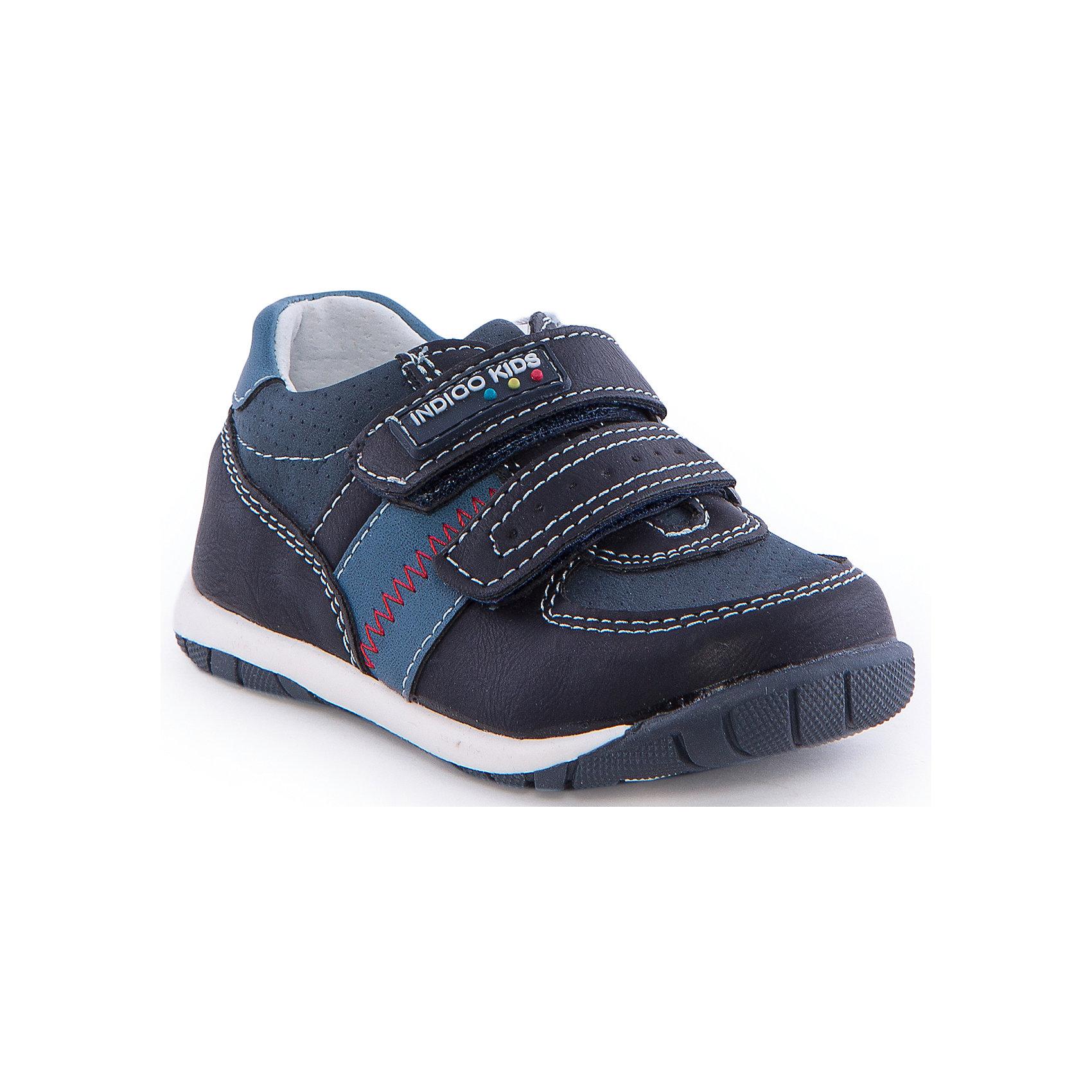 Полуботинки для мальчика Indigo kidsБотинки<br>Полуботинки для мальчика от известного бренда Indigo kids<br><br>Модные синие Полуботинки позволяют ножкам ребенка свободно дышать. Они легко надеваются и комфортно садятся по ноге. Оригинальный дизайн и качественное исполнение выделяют такую обувь из общего ряда новых моделей для этого сезона.<br><br>Особенности модели:<br><br>- цвет - синий;<br>- стильный дизайн;<br>- удобная колодка;<br>- декорированы контрастной прошивкой;<br>- кожаная подкладка;<br>- украшены логотипом;<br>- устойчивая подошва;<br>- дышащий материал;<br>- застежки: липучки.<br><br>Дополнительная информация:<br><br>Температурный режим:<br>от +10° С до +20° С<br><br>Состав:<br><br>верх – искусственная кожа;<br>подкладка -   натуральная кожа;<br>подошва - ТЭП.<br><br>Полуботинки для мальчика Indigo kids (Индиго Кидс) можно купить в нашем магазине.<br><br>Ширина мм: 262<br>Глубина мм: 176<br>Высота мм: 97<br>Вес г: 427<br>Цвет: синий<br>Возраст от месяцев: 12<br>Возраст до месяцев: 15<br>Пол: Мужской<br>Возраст: Детский<br>Размер: 21,25,23,24,22,20<br>SKU: 4582798