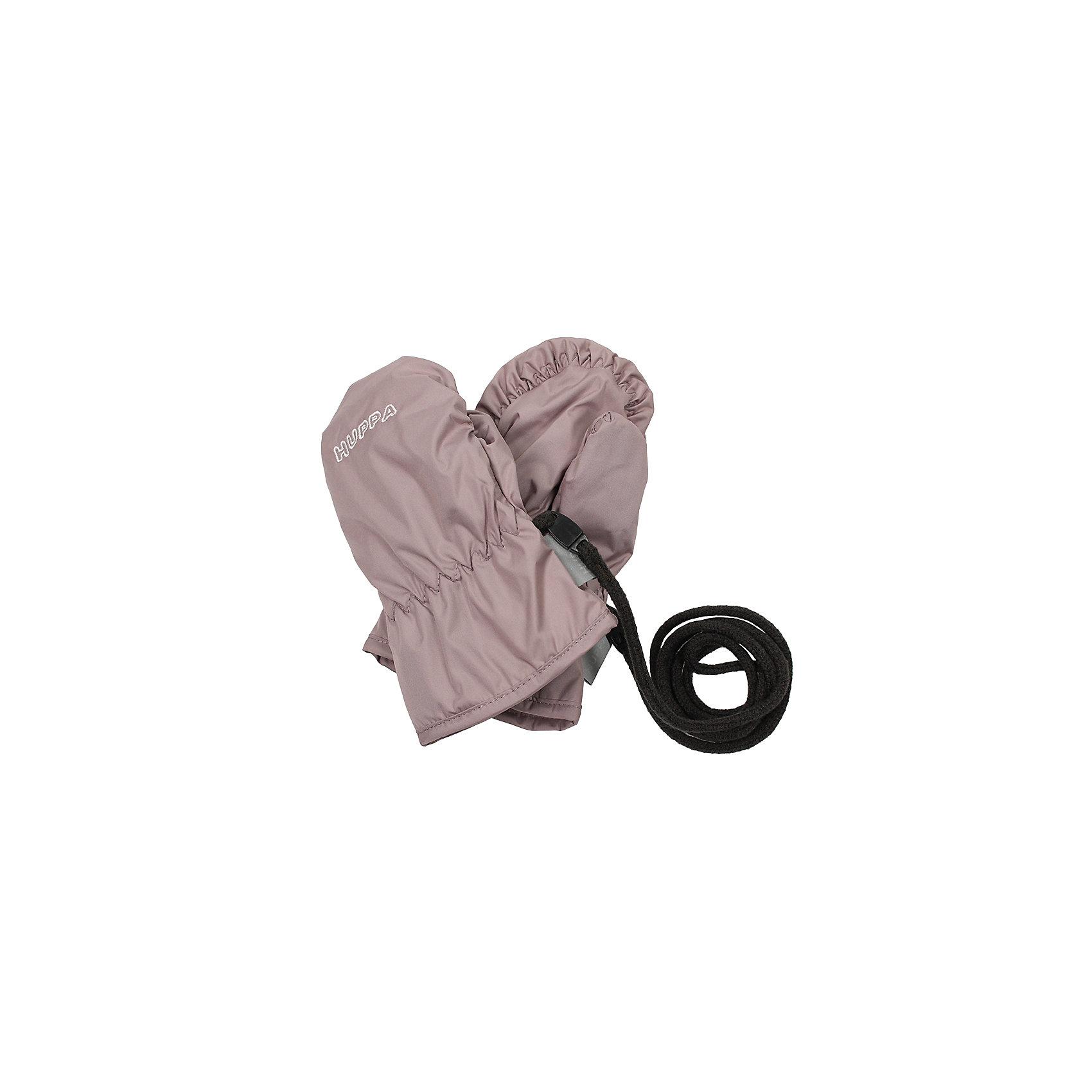Рукавицы HuppaHuppaTherm 40 грамм<br>Высокотехнологичный лёгкий синтетический утеплитель нового поколения, сохраняет объём и высокую теплоизоляцию изделия, а также легко стирается и быстро сохнет.<br><br>Влагоустойчивая и дышащая ткань 5000/ 5000<br>Мембрана препятствует прохождению воды и ветра сквозь ткань внутрь изделия, позволяя испаряться выделяемой телом, образовывающейся внутри влаге.<br><br>Светоотражательные детали<br>При плохих погодных условиях или в темноте, когда свет падает на одежду, он отражается, делая ребёнка более заметным, уменьшая возможность несчастных случаев.<br><br>Дополнительная информация:<br><br>Температурный режим - от 0С до +10С<br>Материал - 100% полиэстер<br><br>Рукавицы Huppa можно купить в нашем магазине.<br><br>Ширина мм: 162<br>Глубина мм: 171<br>Высота мм: 55<br>Вес г: 119<br>Цвет: бежевый<br>Возраст от месяцев: 12<br>Возраст до месяцев: 24<br>Пол: Унисекс<br>Возраст: Детский<br>Размер: 2,1<br>SKU: 4595712