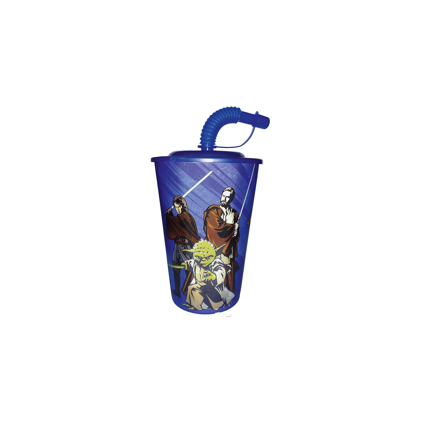 Синий бокал 450 мл Звёздные ВойныСиний бокал 450 мл Звёздные Войны - это отличный подарок для любого фаната знаменитой саги.<br>Бокал Звёздные Войны выполнен из полипропилена и оформлен с изображением героев саги. Бокал плотно закрывается крышкой с отверстием в центре для трубочки. Кончик гофрированной трубочки плотно закрывается, что исключает попадание пыли и грязи в содержимое стакана и предотвращает проливание жидкости. Не подходит для использования в посудомоечной машине и СВЧ-печи.<br><br>Дополнительная информация:<br><br>- Объем: 450 мл.<br>- Материал: полипропилен<br>- Цвет: синий<br>- Размер упаковки: 9х9х17 см.<br><br>Синий бокал 450 мл Звёздные Войны можно купить в нашем интернет-магазине.<br><br>Ширина мм: 90<br>Глубина мм: 90<br>Высота мм: 170<br>Вес г: 5<br>Возраст от месяцев: 36<br>Возраст до месяцев: 144<br>Пол: Унисекс<br>Возраст: Детский<br>SKU: 4603856