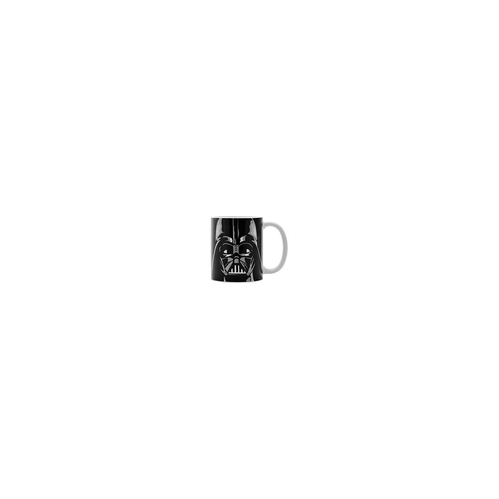 Керамическая кружка Дарт Вейдер 350 мл, Звёздные ВойныКерамическая кружка Дарт Вейдер 350 мл, Звёздные Войны - эта оригинальная кружка станет приятным сюрпризом для Вашего ребенка.<br>Кружка Дарт Вейдер Звездные войны станет отличным подарком для любого фаната знаменитой саги. Она выполнена из керамики и оформлена черно-белым рисунком со стилизованным изображением Дарта Вейдера. Большая ручка обеспечит удобство использования. Подходит для использования в посудомоечной машине и СВЧ-печи.<br><br>Дополнительная информация:<br><br>- Материал: керамика<br>- Объем: 350 мл.<br>- Высота: 10 см.<br>- Диаметр: 8 см.<br><br>Керамическую кружку Дарт Вейдер 350 мл, Звёздные Войны можно купить в нашем интернет-магазине.<br><br>Ширина мм: 120<br>Глубина мм: 82<br>Высота мм: 98<br>Вес г: 330<br>Возраст от месяцев: 36<br>Возраст до месяцев: 144<br>Пол: Унисекс<br>Возраст: Детский<br>SKU: 4603886