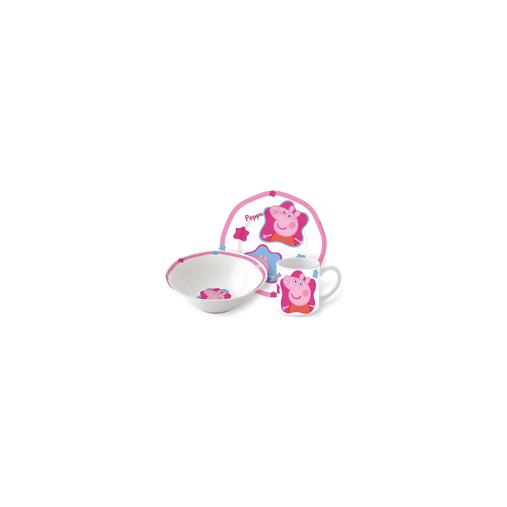 Набор посуды Свинка Пеппа (3 предмета, керамика)Набор посудыПеппа Пиг (3 предмета, керамика) – эта яркая красочная посуда поднимет настроение вашему ребенку.<br>Набор красочной детской посуды Пеппа Пиг выполненный из качественной керамики, идеально подойдет для повседневного использования. В комплект входят: кружка с удобной ручкой, миска, плоская тарелка для вторых блюд и десертов. Яркий набор выполнен в едином стиле, декорирован изображениями свинки Пеппы. С такой посудой привычная еда станет вкуснее!<br><br>Дополнительная информация:<br><br>- В наборе: кружка, миска, тарелка<br>- Материал: керамика<br>- Диаметр плоской тарелки для вторых блюд и десертов: 19 см.<br>- Диаметр миски: 18 см.<br>- Объем кружки: 210 мл.<br>- Упаковка: подарочная коробка<br>- Размер упаковки: 25 x 8,5 x 20 см.<br>- Вес: 973 гр.<br><br>Набор посудыПеппа Пиг (3 предмета, керамика) можно купить в нашем интернет-магазине.<br><br>Ширина мм: 250<br>Глубина мм: 85<br>Высота мм: 200<br>Вес г: 973<br>Цвет: розовый<br>Возраст от месяцев: 36<br>Возраст до месяцев: 84<br>Пол: Унисекс<br>Возраст: Детский<br>SKU: 4606783