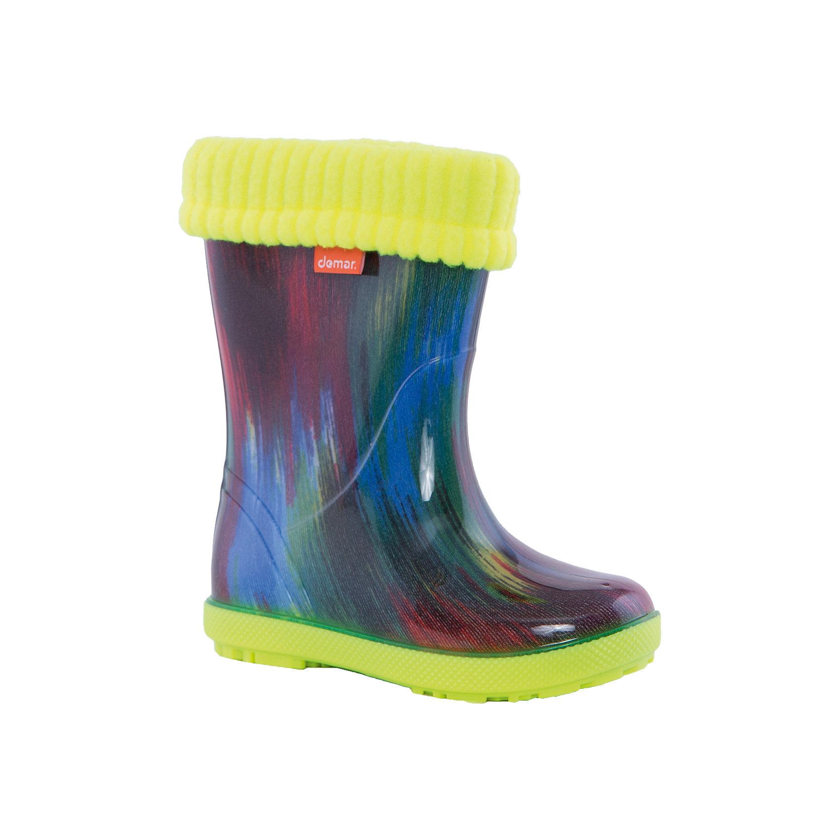 Резиновые сапоги Hawai Lux Print DEMARХарактеристики товара:<br><br>• цвет: мультиколор<br>• материал верха: ПВХ<br>• материал подкладки: текстиль <br>• материал подошвы: ПВХ<br>• температурный режим: от 0° до +15° С<br>• верх не продувается<br>• съемный чулок<br>• стильный дизайн<br>• страна бренда: Польша<br>• страна изготовитель: Польша<br><br>Осенью и весной ребенку не обойтись без непромокаемых сапожек! Чтобы не пропустить главные удовольствия межсезонья, нужно запастись удобной обувью. Такие сапожки обеспечат ребенку необходимый для активного отдыха комфорт, а подкладка из текстиля позволит ножкам оставаться теплыми. Сапожки легко надеваются и снимаются, отлично сидят на ноге. Они удивительно легкие!<br>Обувь от польского бренда Demar - это качественные товары, созданные с применением новейших технологий и с использованием как натуральных, так и высокотехнологичных материалов. Обувь отличается стильным дизайном и продуманной конструкцией. Изделие производится из качественных и проверенных материалов, которые безопасны для детей.<br><br>Сапожки от бренда Demar (Демар) можно купить в нашем интернет-магазине.<br><br>Ширина мм: 237<br>Глубина мм: 180<br>Высота мм: 152<br>Вес г: 438<br>Цвет: разноцветный<br>Возраст от месяцев: -2147483648<br>Возраст до месяцев: 2147483647<br>Пол: Унисекс<br>Возраст: Детский<br>Размер: 22/23,24/25,26/27<br>SKU: 4608525