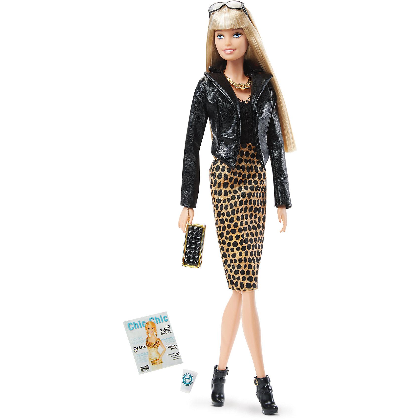 Коллекционная кукла Городской блеск, BarbieBarbie - стильная и знаменитая красавица, покорившая весь мир! В этой коллекции куклы одеты в наряды, понравившиеся наибольшему числу пользователей Instagram. Сегодня модница решила прогуляться. Ее наряд состоит из обтягивающего топа, длинной юбки с леопардовым принтом и стильного кожаного пиджака. На ногах - черные ботильоны на высоком каблуке. Образ дополняет маленький клатч, массивная золотая подвеска на шее и невероятно модные солнечные очки. Волосы куклы длинные и послушные , из них получится множество сногсшибательных причесок. В запястьях, локтях и коленях игрушки находятся шарнирные механизмы, благодаря которым кукла может принимать очень реалистичные позы. <br><br>Дополнительная информация:<br><br>- Материал: пластик, текстиль.<br>- Размер куклы: 30 см.<br>- Голова, руки ноги подвижные. <br>- Комплектация: кукла в одежде и обуви, аксессуары (сумочка, журнал, стакан с кофе).<br><br>Коллекционную куклу Городской блеск Barbie (Барби), можно купить в нашем магазине.<br><br>Ширина мм: 200<br>Глубина мм: 280<br>Высота мм: 355<br>Вес г: 464<br>Возраст от месяцев: 36<br>Возраст до месяцев: 72<br>Пол: Женский<br>Возраст: Детский<br>SKU: 4616970