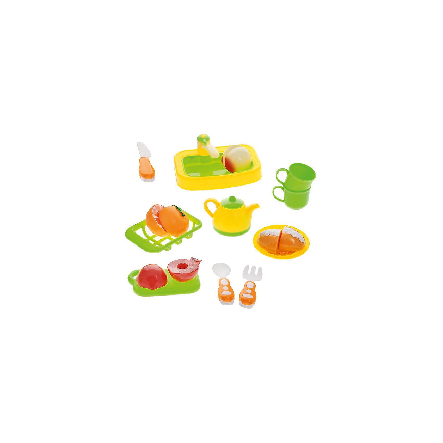 Набор посуды для кухни с продуктами, 18 предм., Помогаю маме, ABtoysПосуда и аксессуары для детской кухни<br>Набор посуды для кухни с продуктами, 18 предм., Помогаю маме, ABtoys (АБтойс) – набор поможет девочке освоить навыки хорошей хозяйки.<br>С этим игровым набором ваша девочка узнает не только правила работы с ножом, но и выучит цвета и формы различных видов продуктов, научится навыкам сервировки и почувствует себя настоящей маминой помощницей. В комплект входит пластиковая посуда, а также муляжи продуктов (две половинки игрушек соединены липучкой), которые можно разрезать на части при помощи пластикового ножа. В процессе игры у ребенка тренируется усидчивость и мелкая моторика.<br><br>Дополнительная информация:<br><br>- В наборе 18 предметов: посуда, разделочная доска, столовые приборы, раковина с краном, муляжи продуктов<br>- Материал: пластик<br>- Размер упаковки: 43,5x30x8,2см.<br>- Вес: 458 гр.<br><br>Набор посуды для кухни с продуктами, 18 предм., Помогаю маме, ABtoys (АБтойс) можно купить в нашем интернет-магазине.<br><br>Ширина мм: 435<br>Глубина мм: 300<br>Высота мм: 82<br>Вес г: 458<br>Возраст от месяцев: 36<br>Возраст до месяцев: 84<br>Пол: Женский<br>Возраст: Детский<br>SKU: 4622664