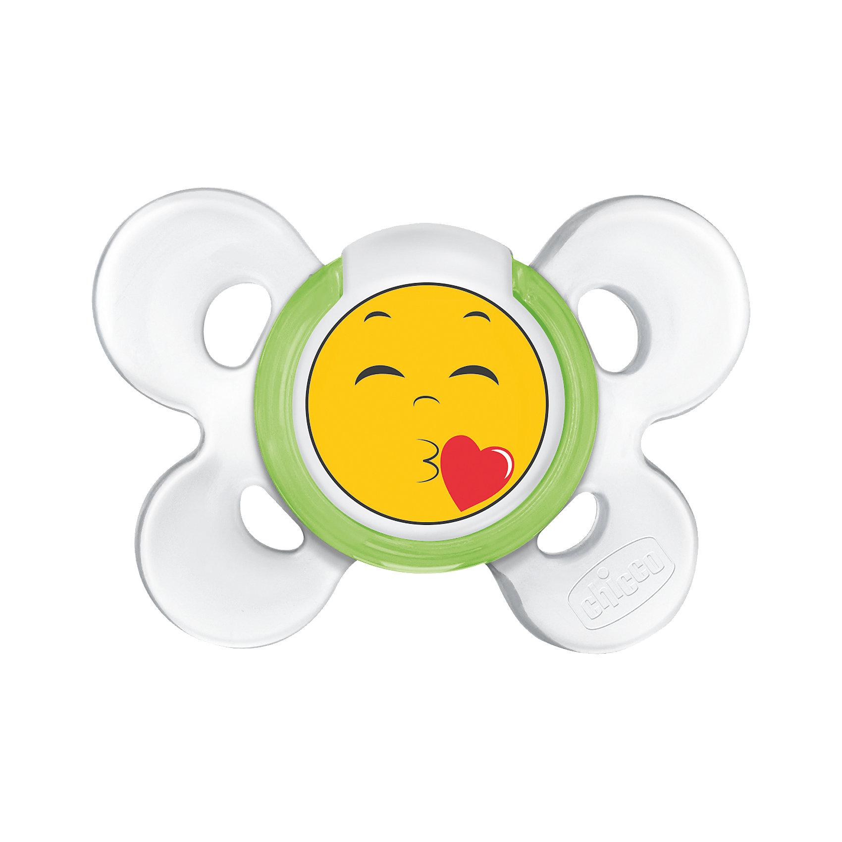 Пустышка Physio Comfort Smile, 6-12 мес., сил., CHICCOПустышки из силикона<br>Ортодонтическая пустышка Physio Comfort Smile от Chicco(Чикко)  предназначена для детей с 6 до 12 месяцев. Пустышка изготовлена с учетом анатомических особенностей ребенка и обеспечит максимально комфортное использование.<br><br>Особенности:<br>-удобная форма облегчит дыхание благодаря большому свободному пространству вокруг носа и подбородка<br>-широкое углубленное основание соски обеспечит правильный захват, максимально приближенный к естественному<br>-4 небольших опоры для личика<br>-разработана с помощью ведущих ортодонтов<br><br>Дополнительная информация:<br>Материал: силикон<br>Возраст: с 6 до 12 месяцев<br><br>Пустышку Physio Comfort Smile  Chicco(Чикко) вы можете приобрести в нашем интернет-магазине.<br><br>Ширина мм: 140<br>Глубина мм: 84<br>Высота мм: 47<br>Вес г: 36<br>Возраст от месяцев: 6<br>Возраст до месяцев: 12<br>Пол: Унисекс<br>Возраст: Детский<br>SKU: 4622993