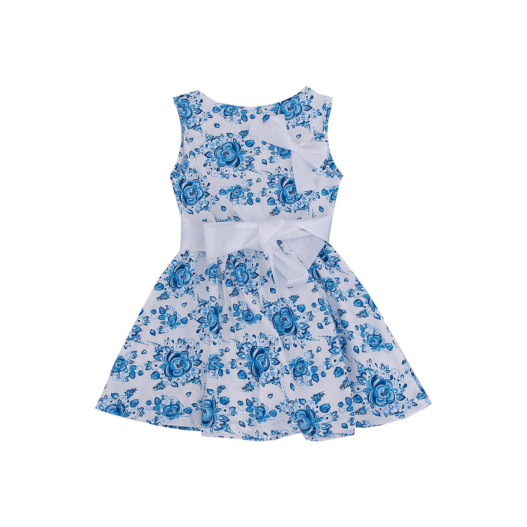 Платье АпрельКрасивое платье Гжель от торговой марки Апрель обязательно пригодится девочке в жаркие летние дни. Оно сшито из мягкого хлопка с добавлением лайкры и имеет удобный свободный крой. Платье с цветочным принтом выполнено в сочетании синего и белого цветов. Изделие имеет круглый вырез горловины с контрастным трикотажным кантом, застегивается сзади на пуговицу. Стильная и нарядная модель без рукавов подойдет как для повседневной носки, так и для праздничных мероприятий. В таком платьице Ваша принцесса будет выглядеть очаровательно!<br><br>Дополнительная информация: <br><br>- состав: 92% хлопок, 8% лайкра.<br>- уход: ручная или машинная стирка при температуре не более 40°с.<br>- коллекция: Гжель.<br>- цвет: белый, индиго, голубой<br>- вырез горловины: округлый вырез<br>- декоративные элементы: банты<br>- длина изделия: по спинке: 57 см; до талии: 22 см<br>- ширина рукава короткие: пройма: 11 см<br>- вид застежки: без застежки<br>- особенности ткани: мягкая<br>- материал подкладки: хлопок<br>- сезон: лето<br>- пол: девочки<br>- страна бренда: Россия<br>- комплектация: пояс, платье, бант<br><br>Платье Гжель от торговой марки Апрель можно купить в нашем интернет-магазине.<br><br>Ширина мм: 236<br>Глубина мм: 16<br>Высота мм: 184<br>Вес г: 177<br>Цвет: разноцветный<br>Возраст от месяцев: 48<br>Возраст до месяцев: 60<br>Пол: Женский<br>Возраст: Детский<br>Размер: 110,116,134,122,128,140<br>SKU: 4630508