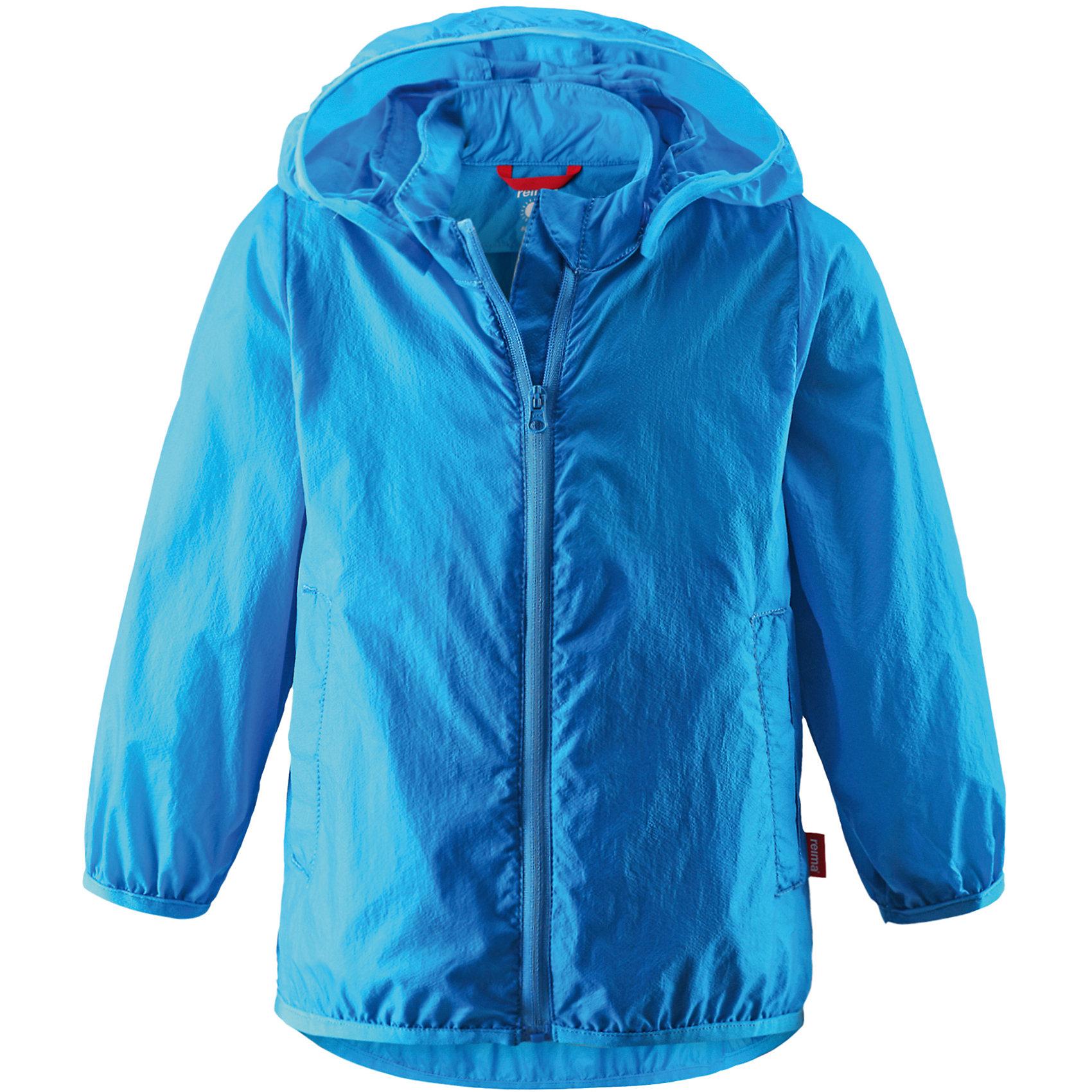 Куртка для мальчика ReimaКуртка от финской марки Reima.<br>*Куртка для малышей*Безопасный, съемный капюшон*Эластичная резинка на кромке капюшона, манжетах и подоле*Возможность сложить куртку в ее собственный карман*Два боковых кармана<br>Состав:<br>100% ПА<br><br>Ширина мм: 356<br>Глубина мм: 10<br>Высота мм: 245<br>Вес г: 519<br>Цвет: голубой<br>Возраст от месяцев: 6<br>Возраст до месяцев: 9<br>Пол: Мужской<br>Возраст: Детский<br>Размер: 74,80,86<br>SKU: 4631360