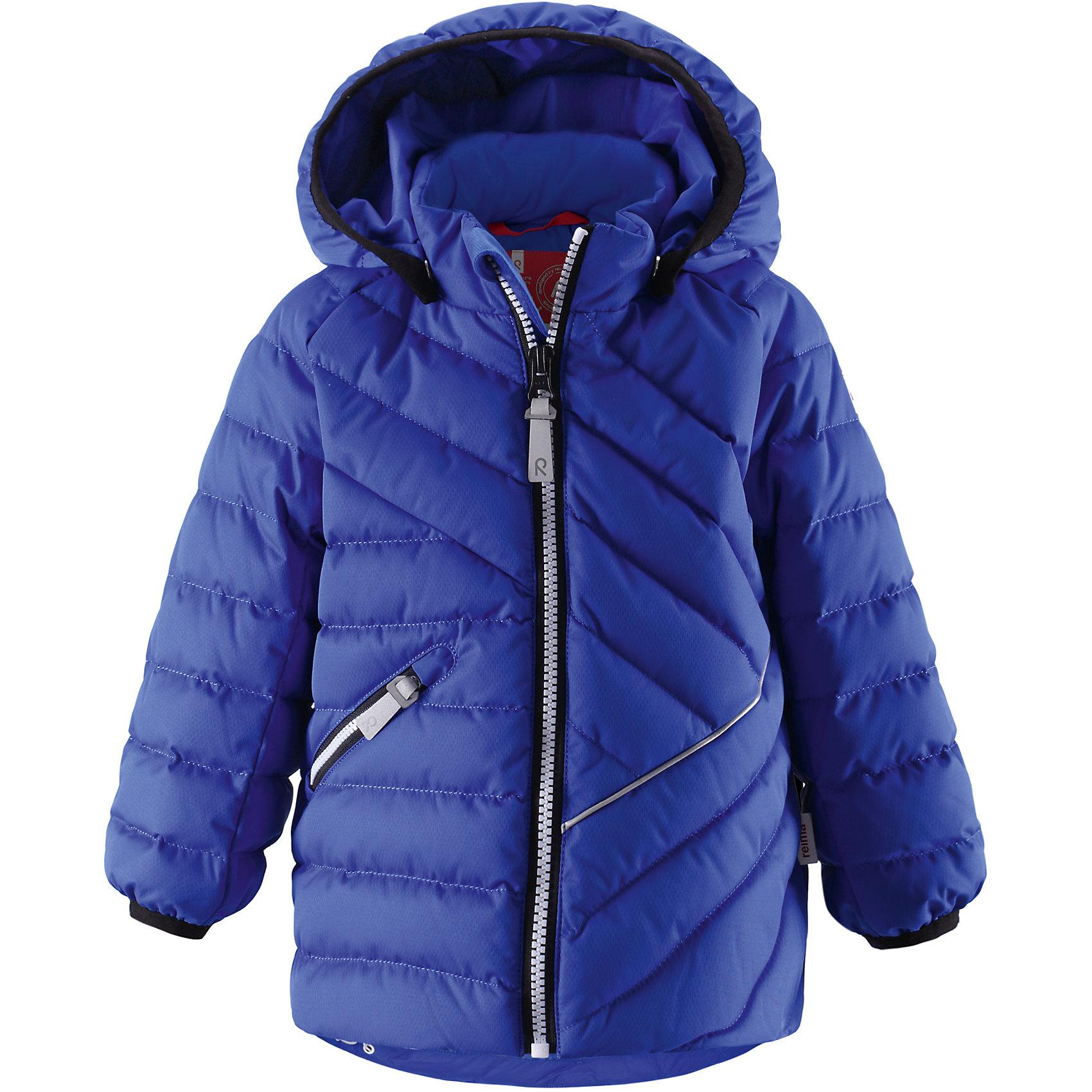 Куртка ReimaКуртка от финской марки Reima.<br>* Пуховик для малышей<br>* Эластичный кант на манжетах рукавов и по краю капюшона<br>* Светоотражающий кант впереди<br>* Регулируемый подол на шнурке<br>* Безопасный съёмный капюшон<br>Состав:<br>100% ПЭ, ПУ-покрытие<br><br>Ширина мм: 356<br>Глубина мм: 10<br>Высота мм: 245<br>Вес г: 519<br>Цвет: голубой<br>Возраст от месяцев: 12<br>Возраст до месяцев: 18<br>Пол: Унисекс<br>Возраст: Детский<br>Размер: 86,92,98<br>SKU: 4632009